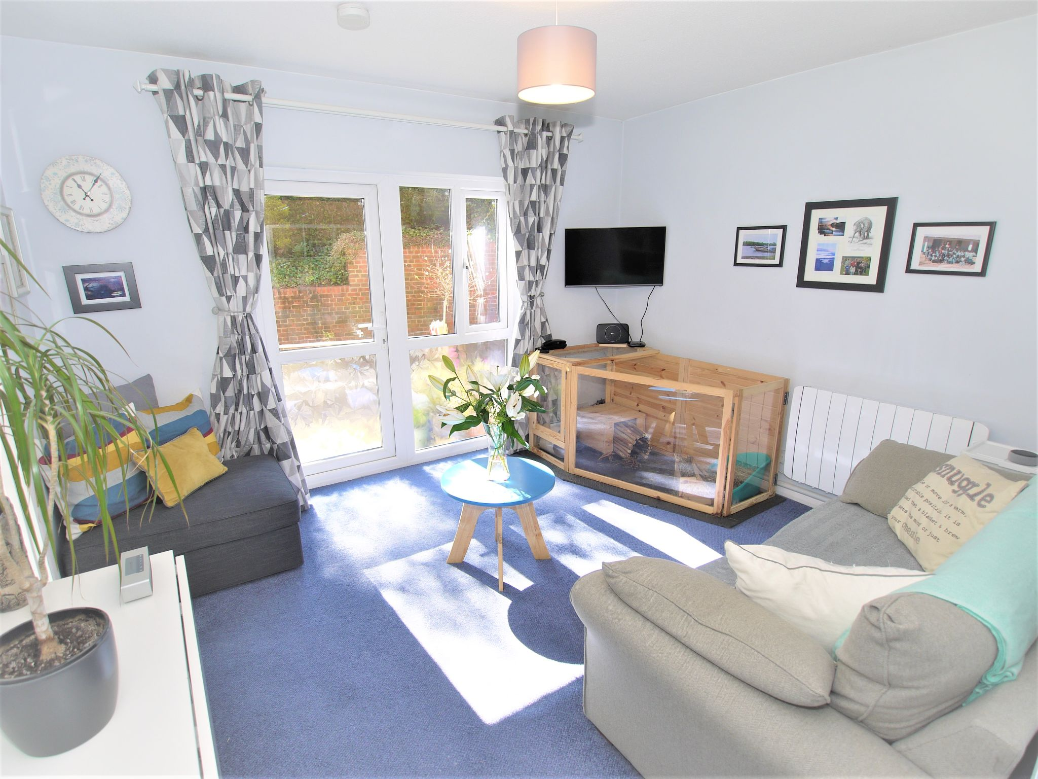 1 bedroom apartment flat/apartment Sold in Sevenoaks - Photograph 2