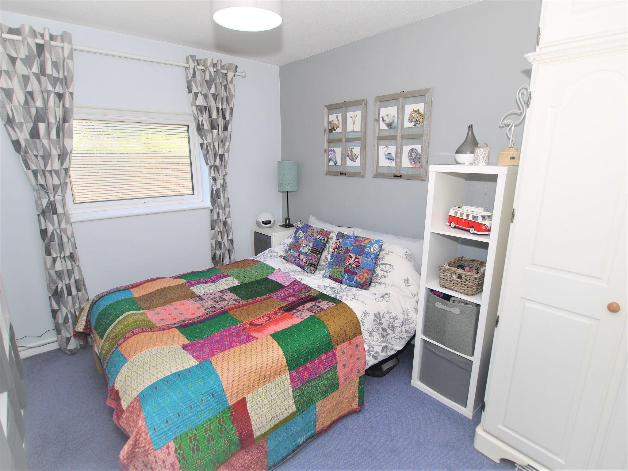 1 bedroom apartment flat/apartment Sold in Sevenoaks - Photograph 3