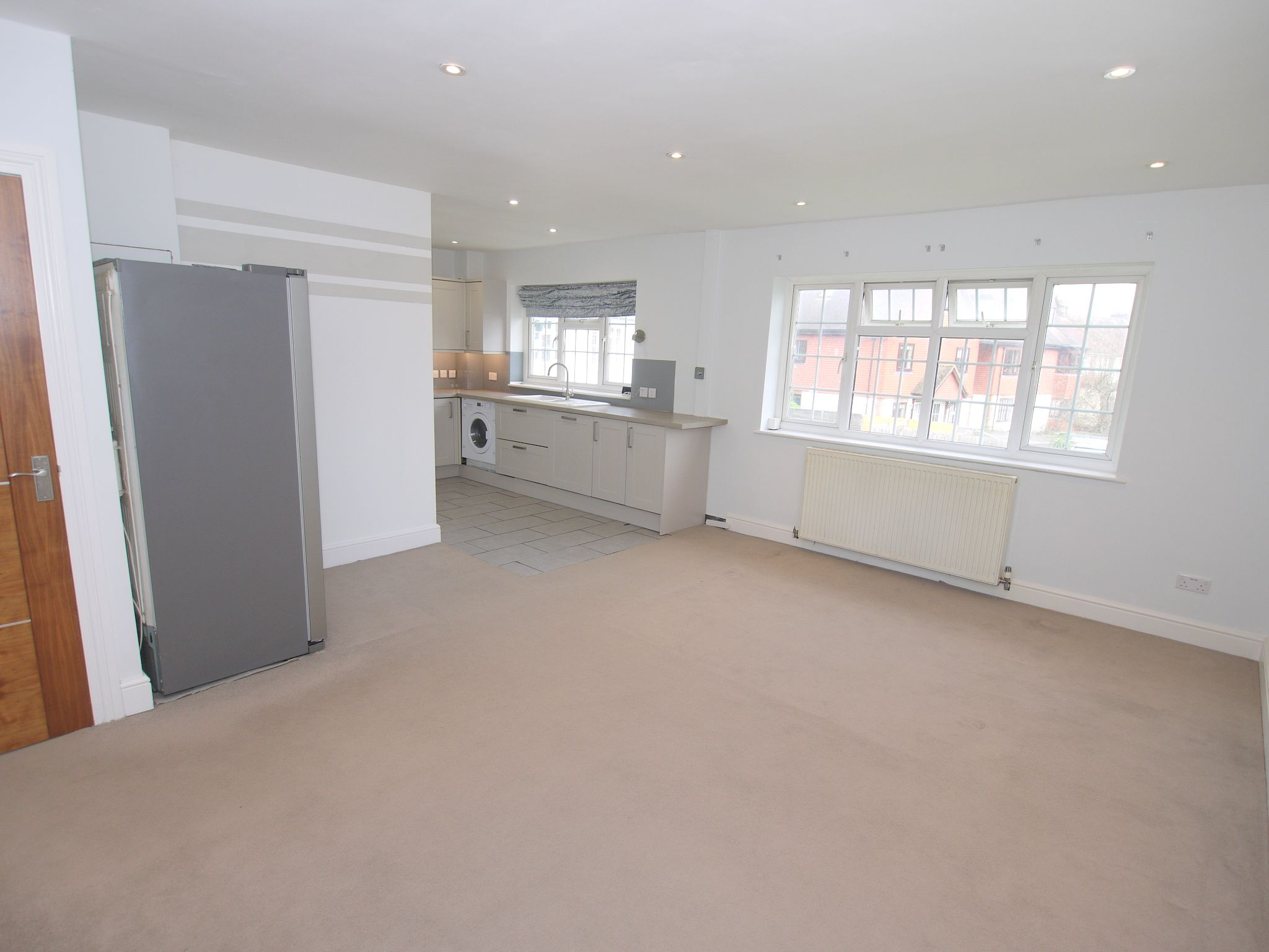 2 bedroom apartment flat/apartment Sale Agreed in Sevenoaks - Photograph 3