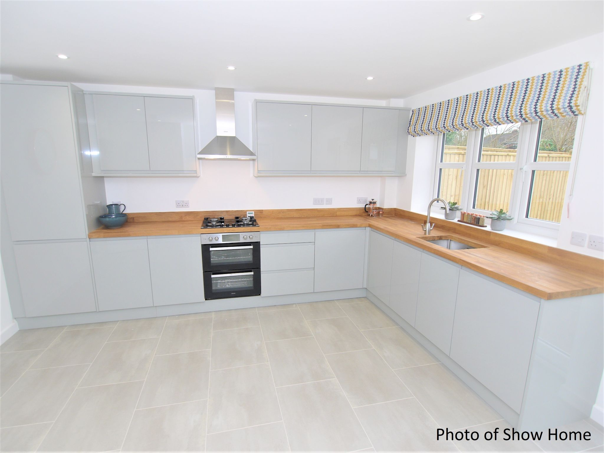 4 bedroom mid terraced house For Sale in Tonbridge - Photograph 5
