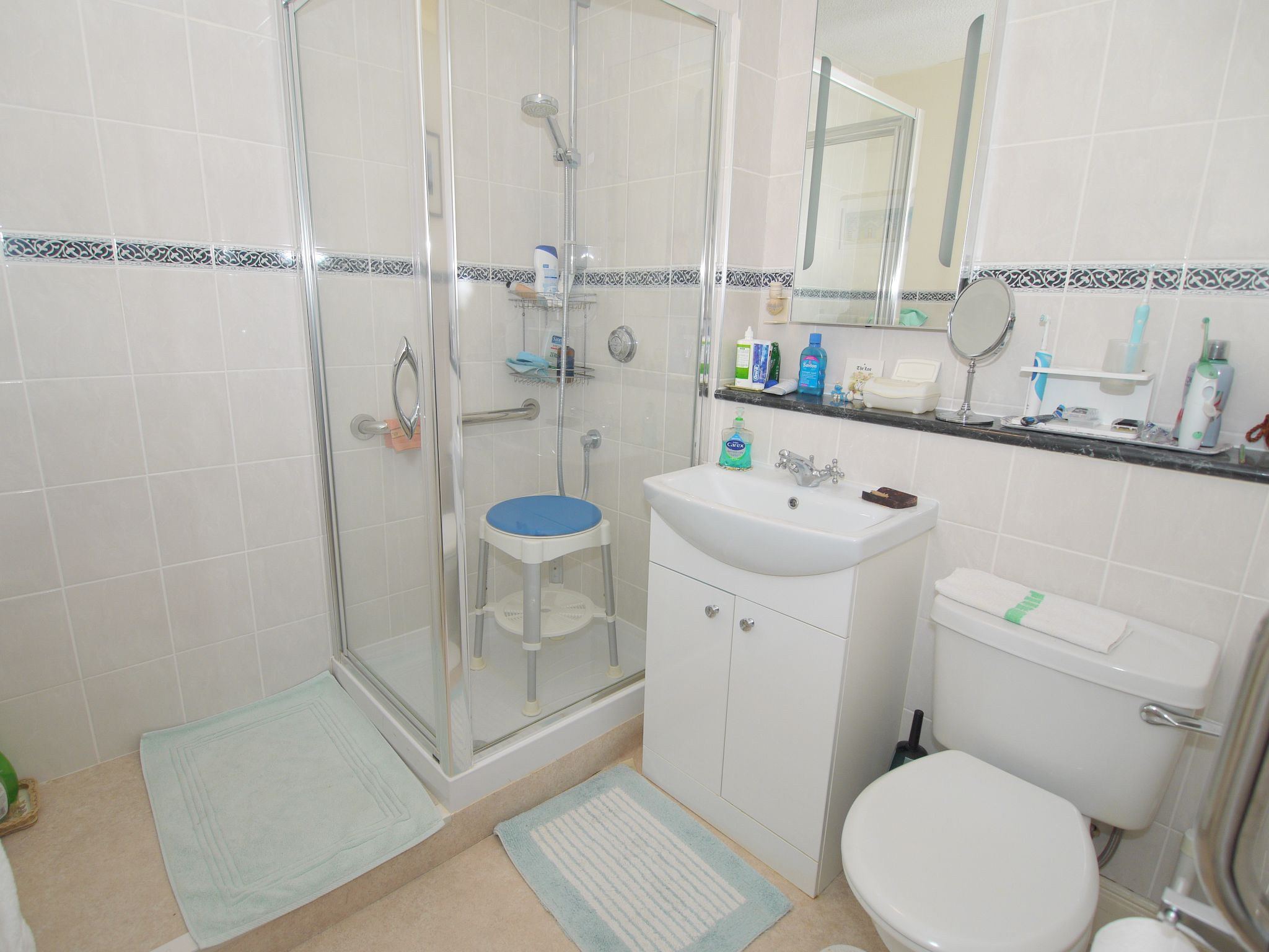 2 bedroom apartment flat/apartment For Sale in Sevenoaks - Photograph 6