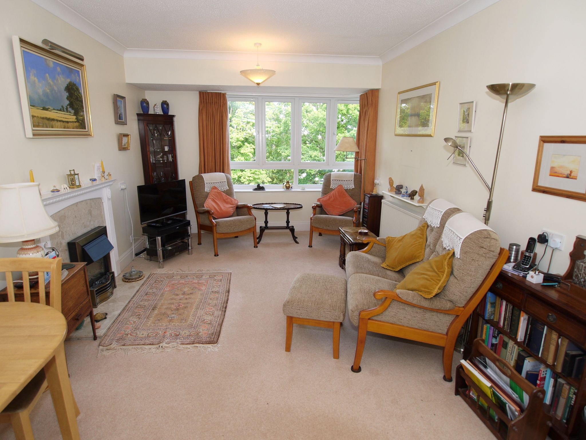 2 bedroom apartment flat/apartment For Sale in Sevenoaks - Photograph 2