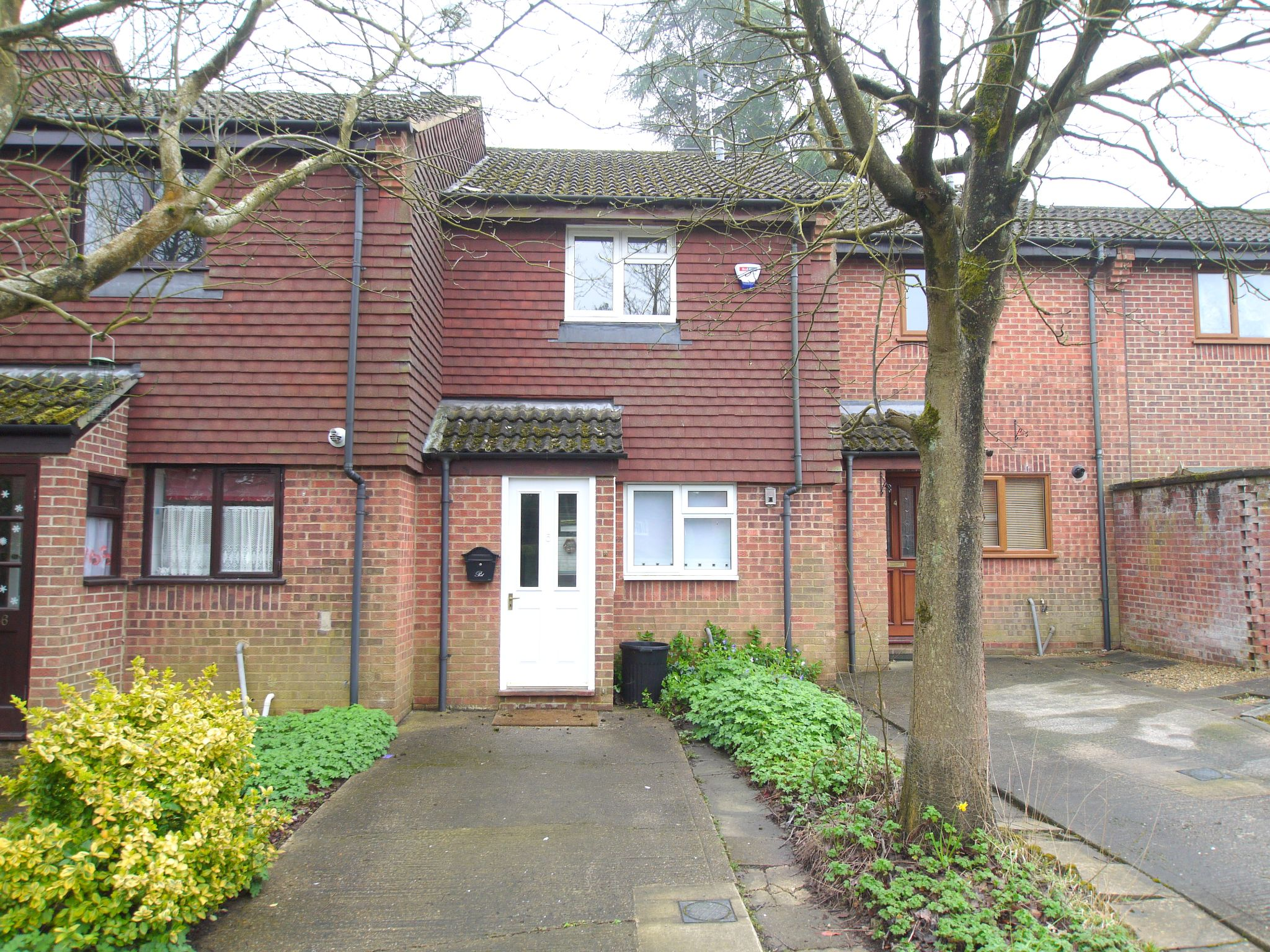 2 bedroom mid terraced house Let Agreed in Sevenoaks - Photograph 1