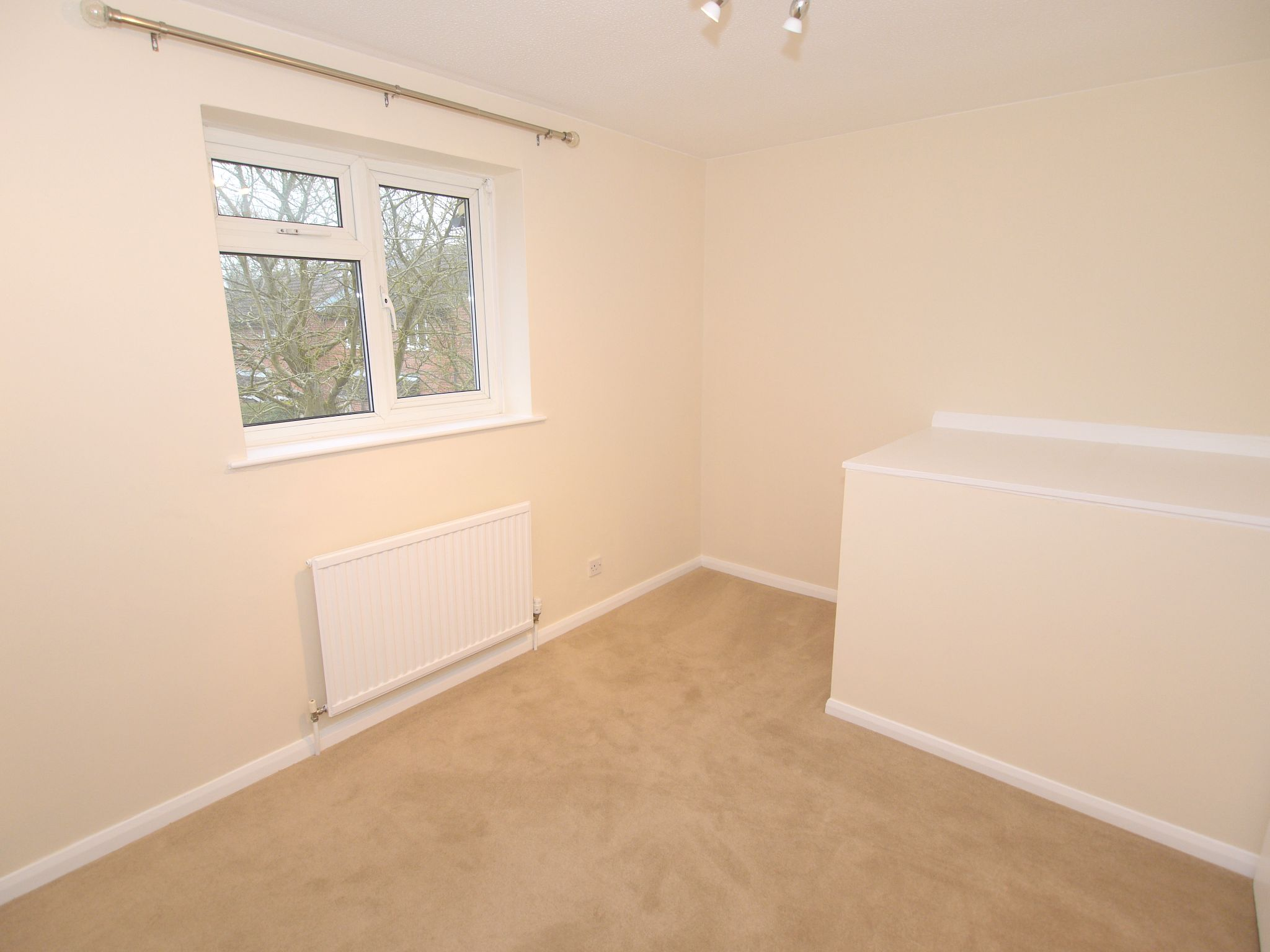 2 bedroom mid terraced house Let Agreed in Sevenoaks - Photograph 5