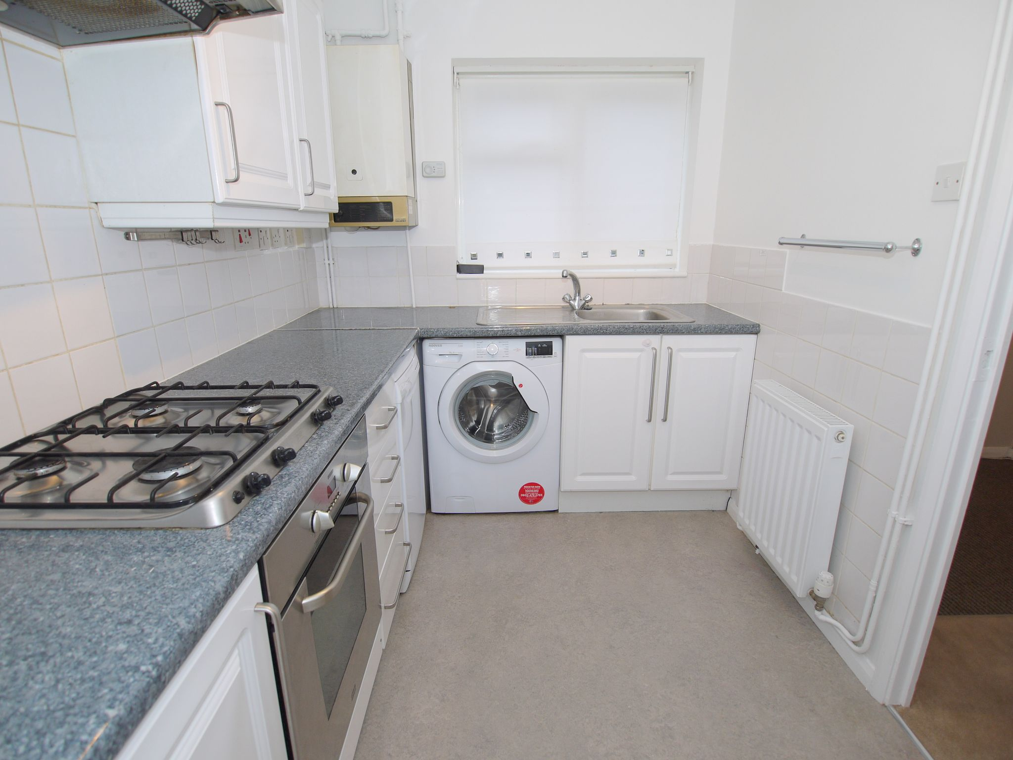 2 bedroom mid terraced house Let Agreed in Sevenoaks - Photograph 2