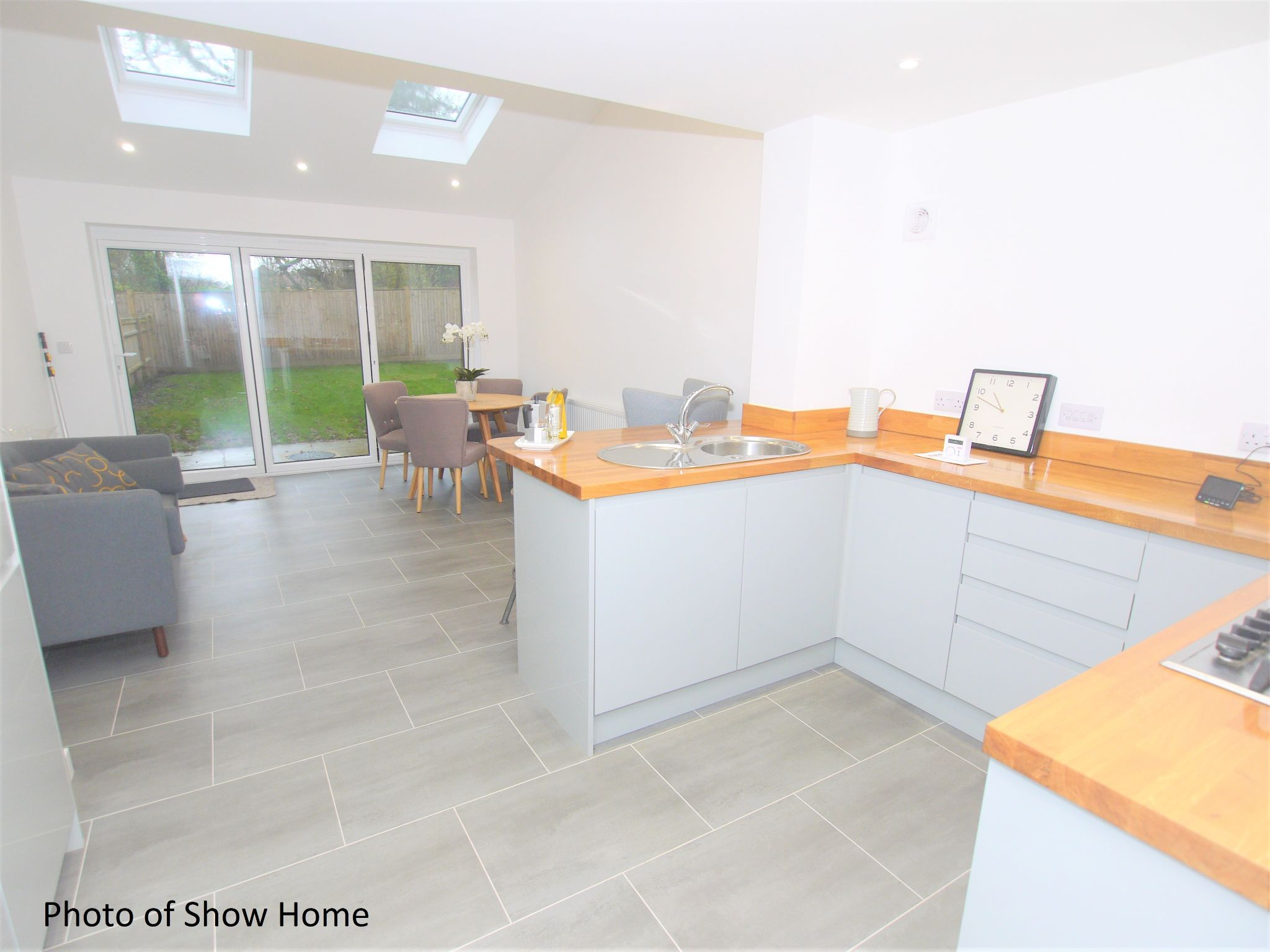 2 bedroom end terraced house For Sale in Tonbridge - Photograph 3