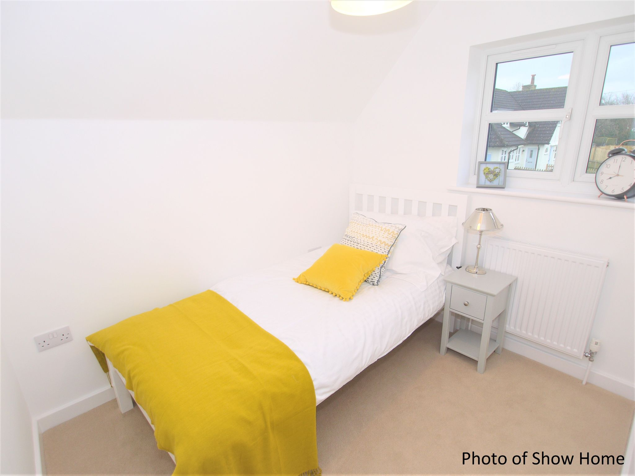 2 bedroom mid terraced house Sold in Leigh - Photograph 9