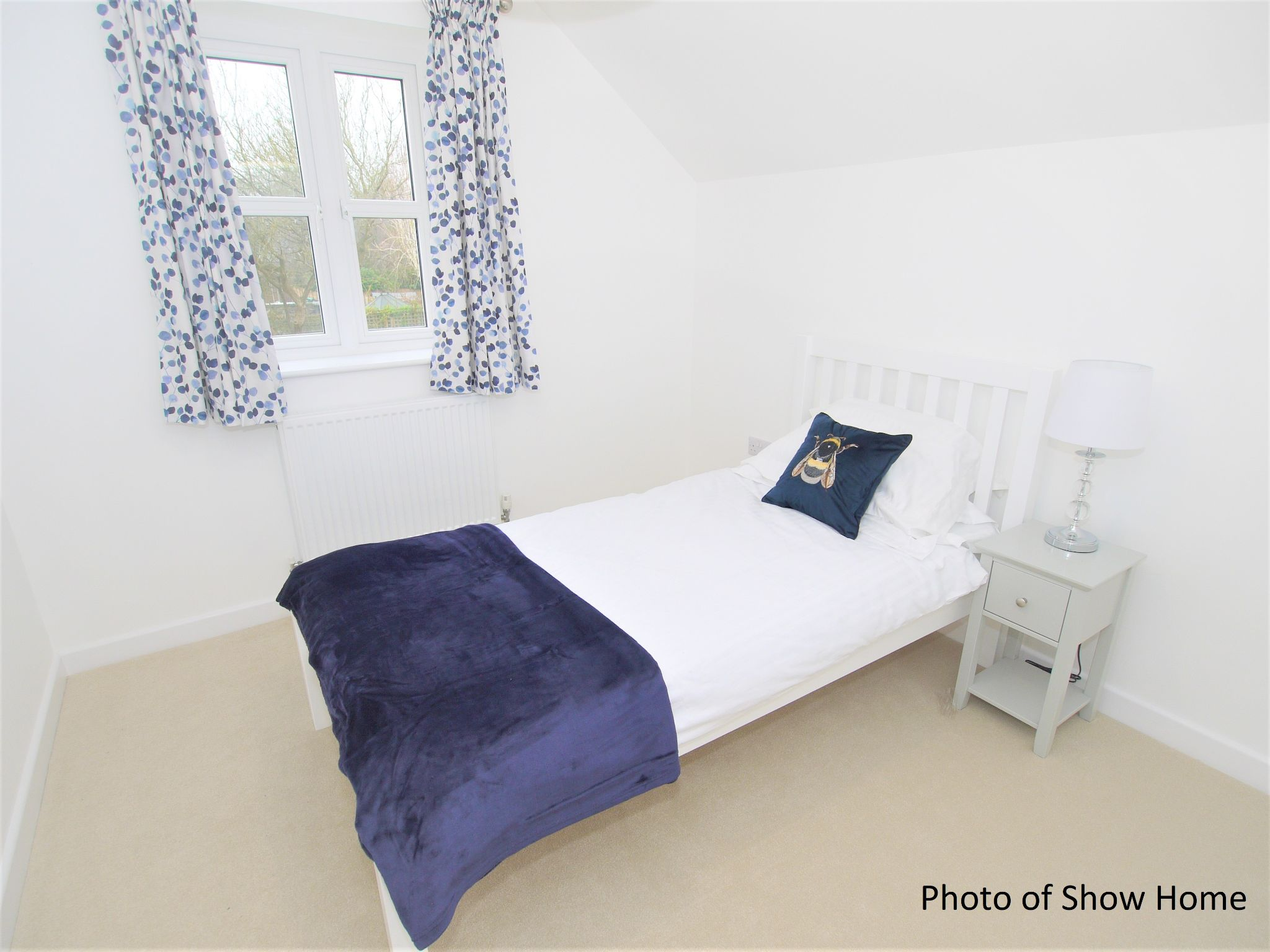 4 bedroom mid terraced house For Sale in Tonbridge - Photograph 8