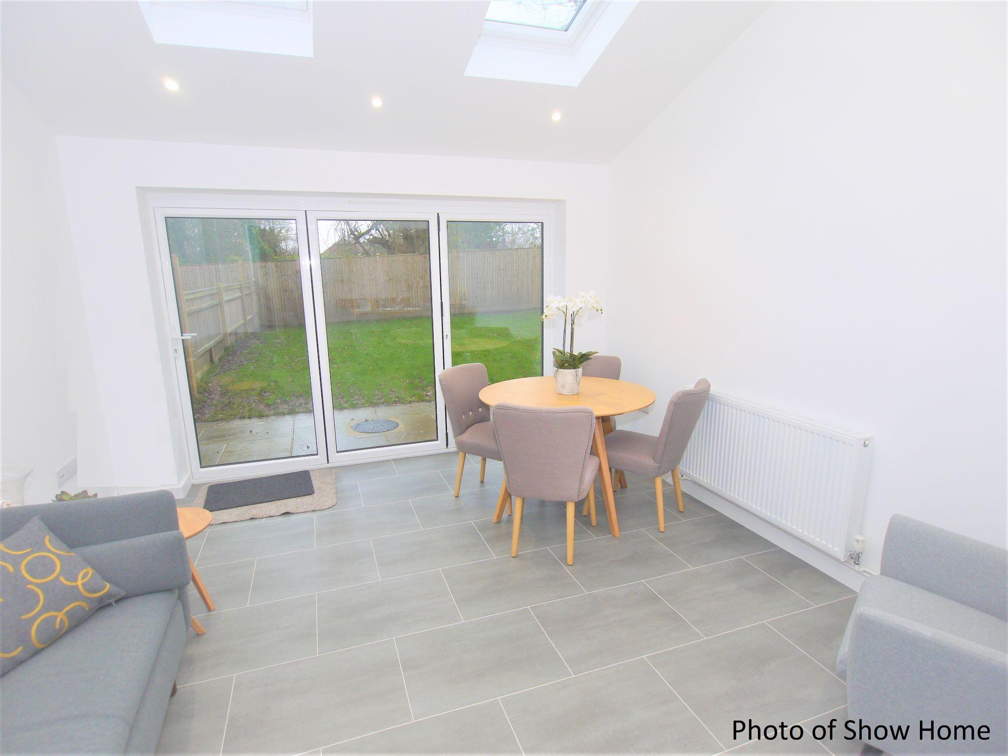 3 bedroom mid terraced house Sold in Tonbridge - Photograph 5