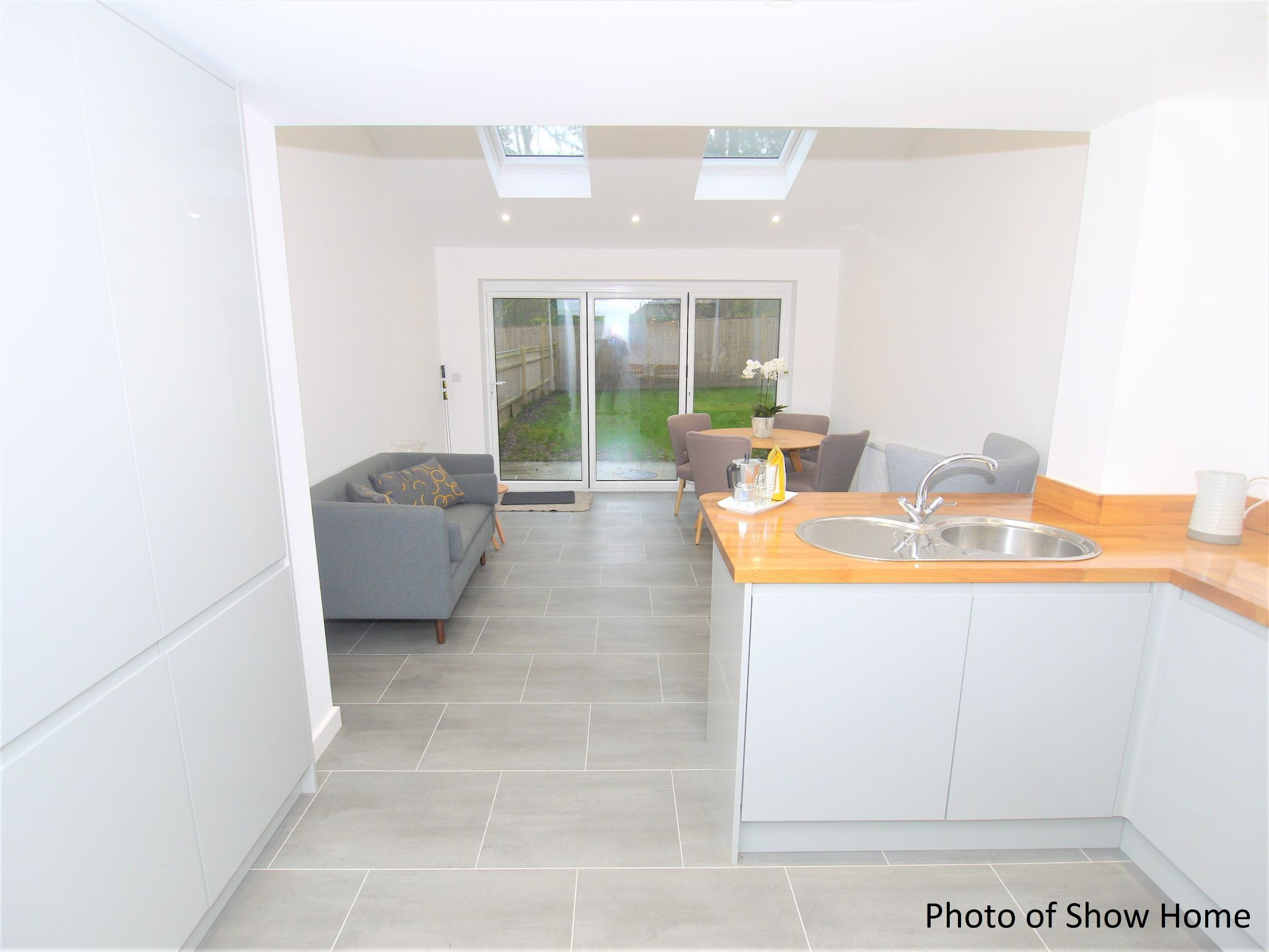 2 bedroom end terraced house Sold in Tonbridge - Photograph 6