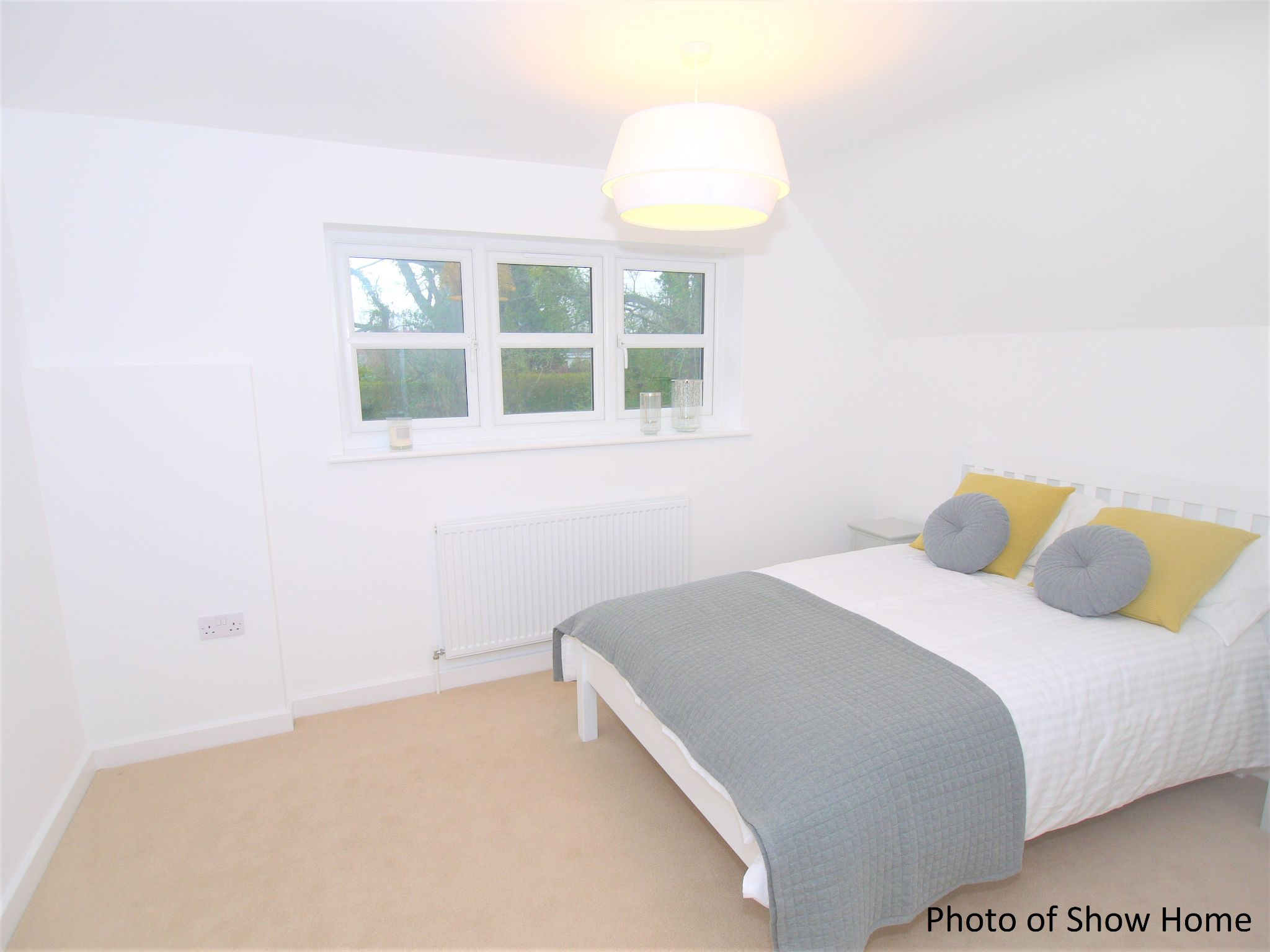 2 bedroom end terraced house Sale Agreed in Tonbridge - Photograph 8