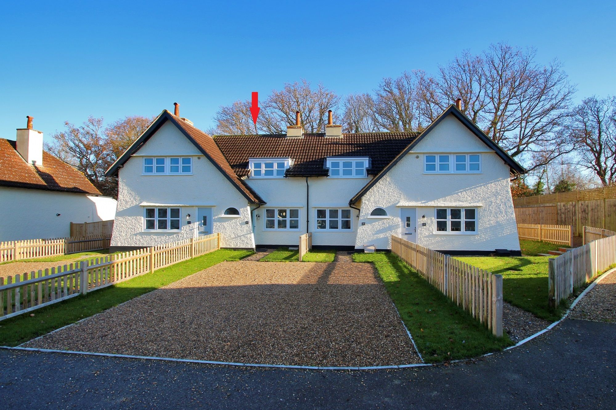2 bedroom mid terraced house For Sale in Tonbridge - Photograph 1