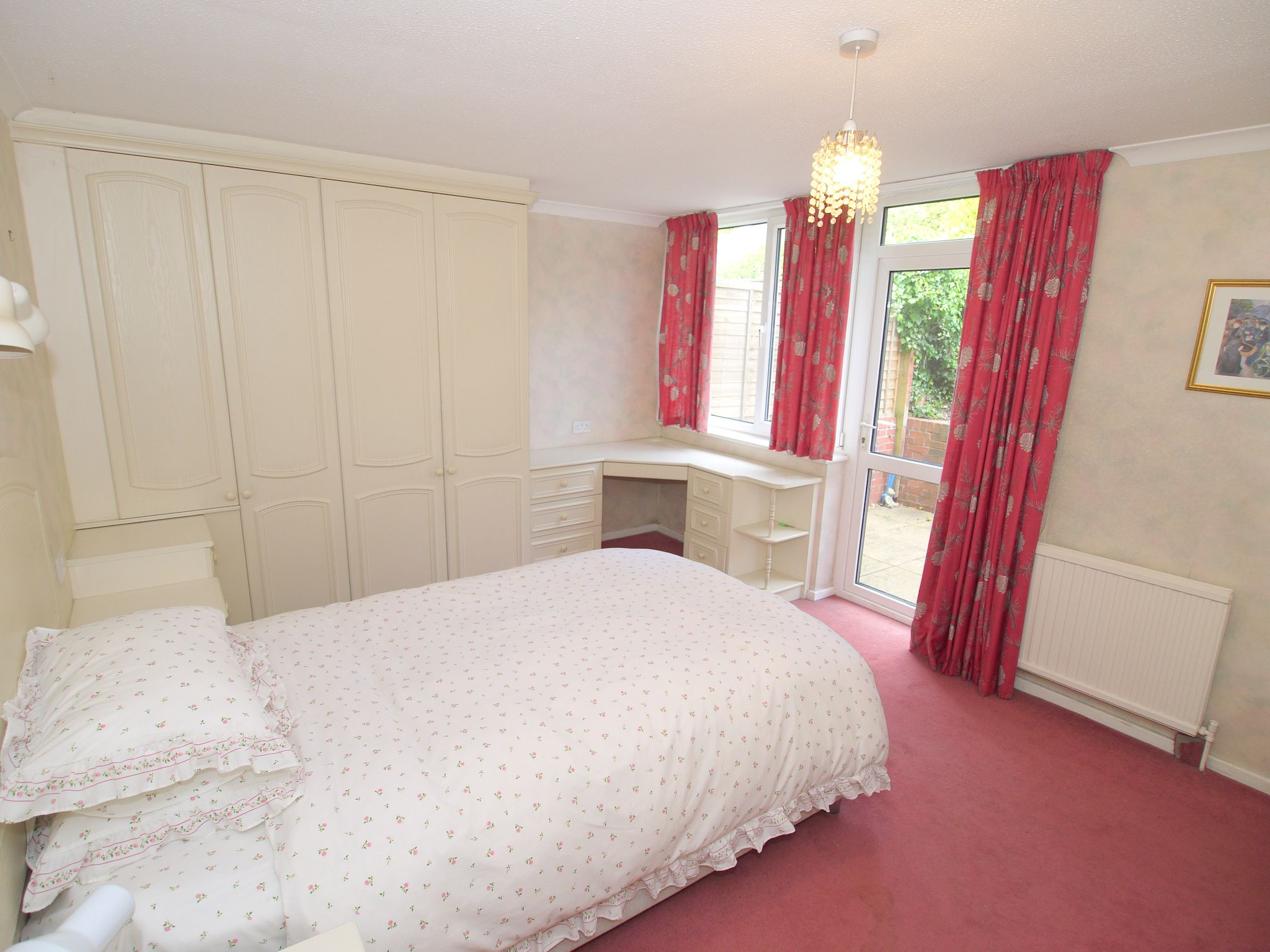 4 bedroom detached house For Sale in Sevenoaks - Photograph 5