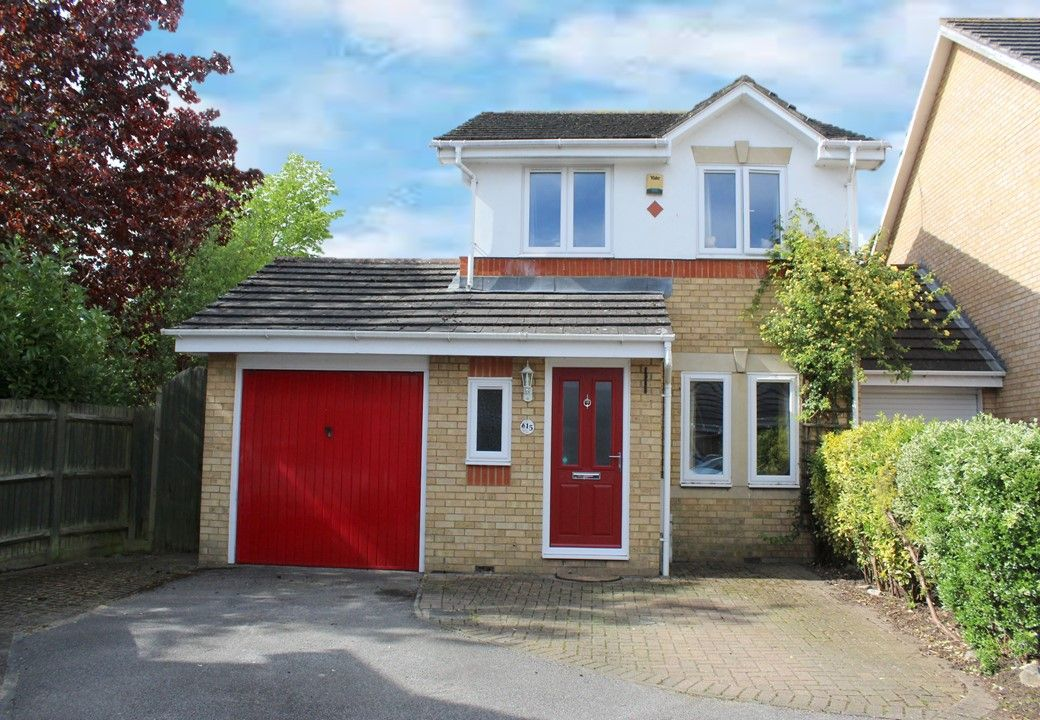 3 bedroom link detached house Sale Agreed in Sevenoaks - Photograph 1
