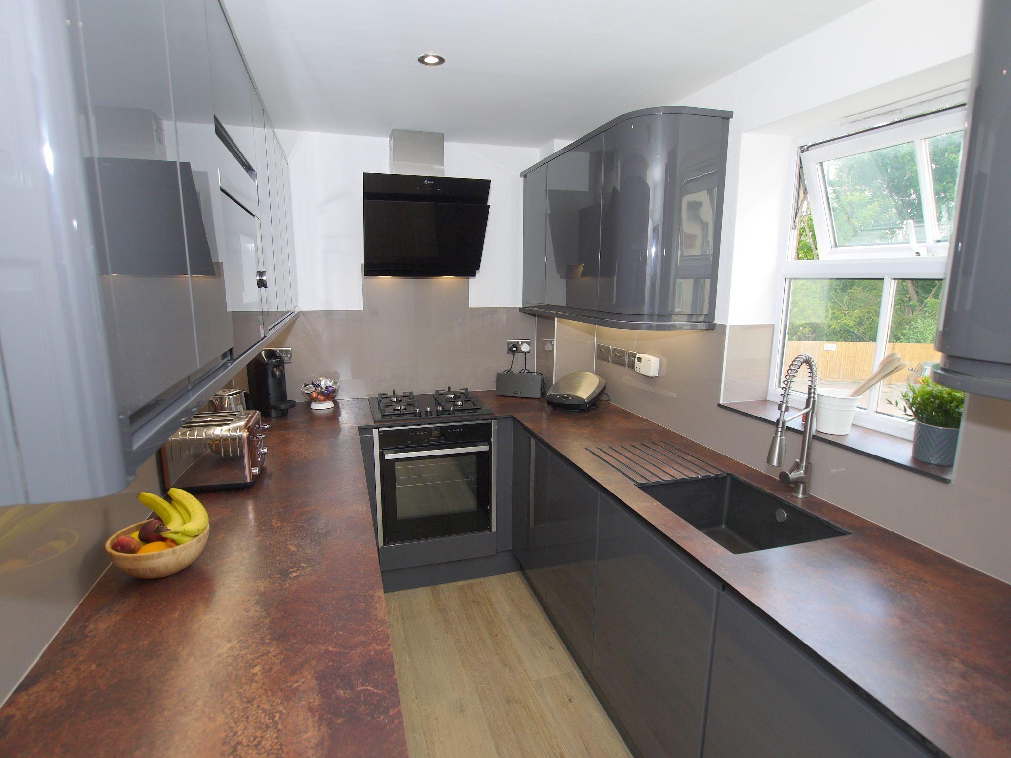 2 bedroom apartment flat/apartment For Sale in Sevenoaks - Photograph 4