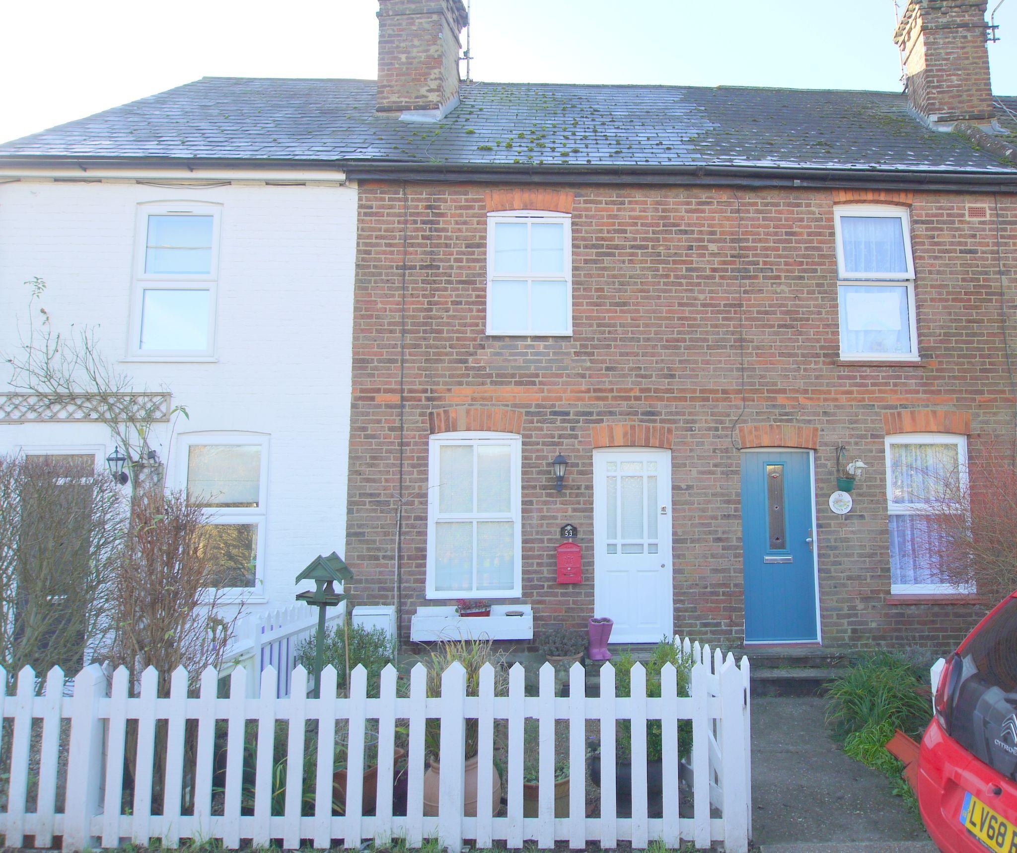 2 bedroom mid terraced house Sold in Sevenoaks - Photograph 1