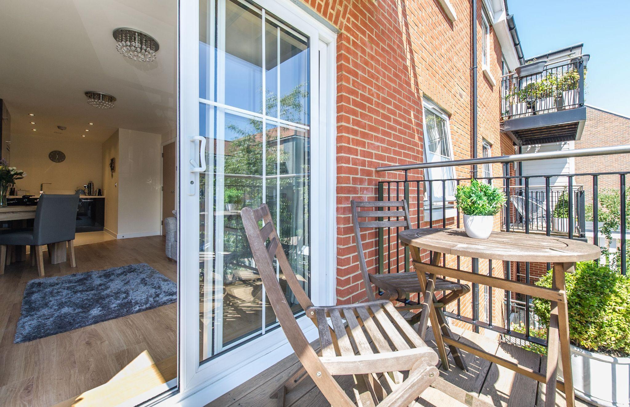 1 bedroom apartment flat/apartment For Sale in Sevenoaks - Photograph 8