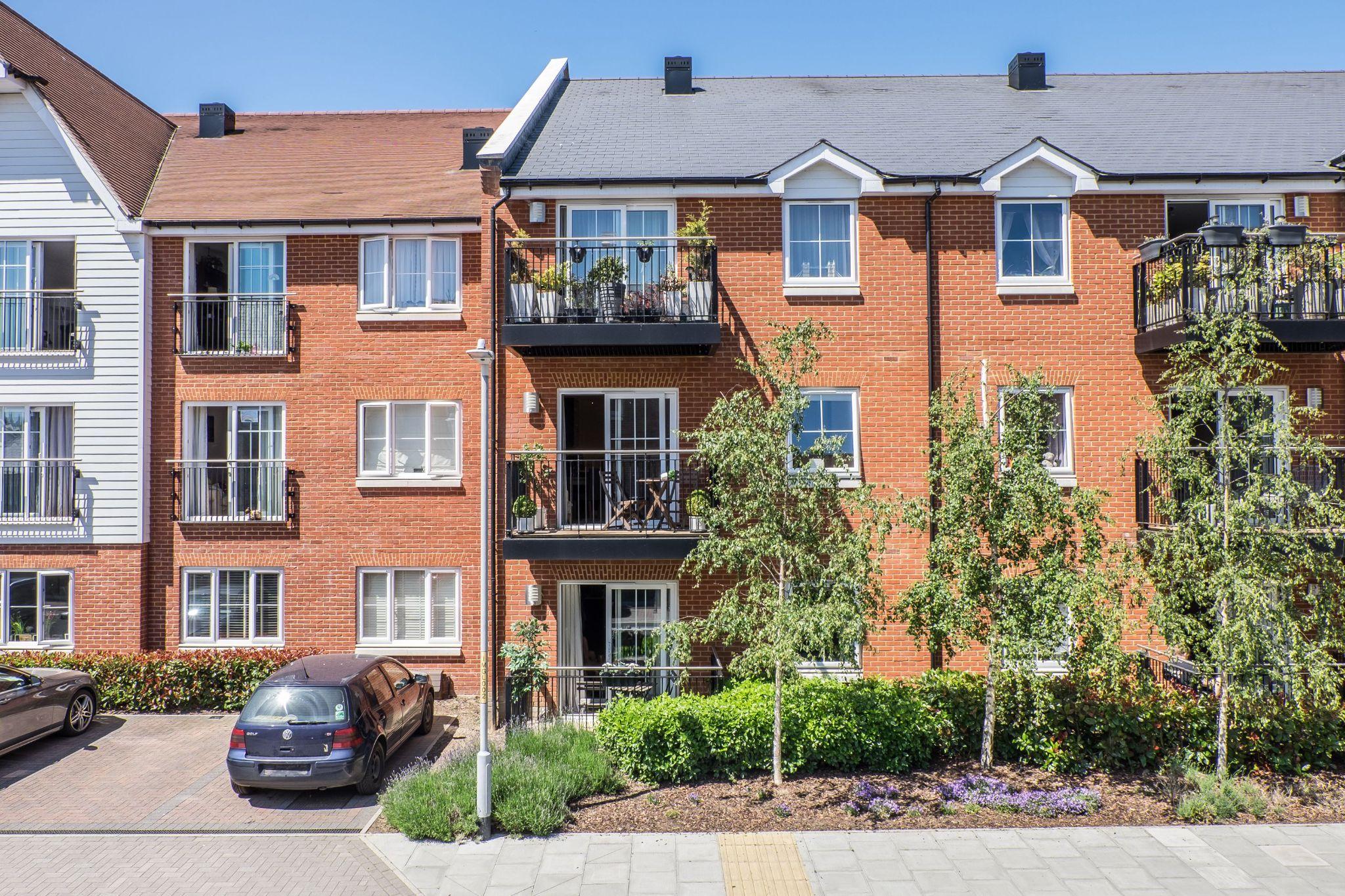 1 bedroom apartment flat/apartment For Sale in Sevenoaks - Photograph 1