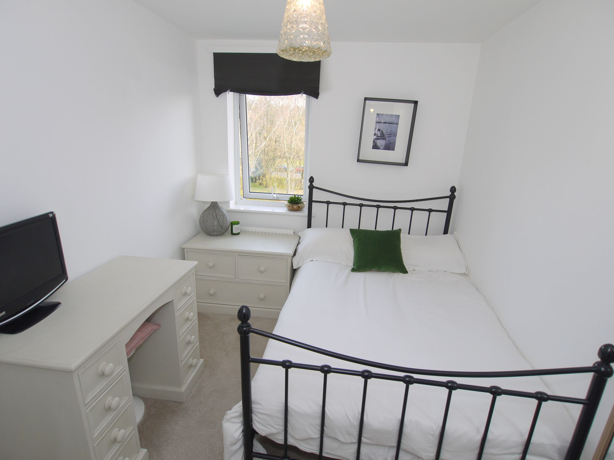 2 bedroom apartment flat/apartment To Let in Sevenoaks - Photograph 6