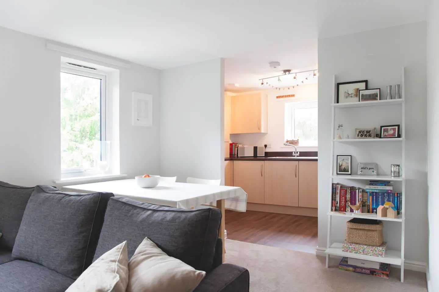 2 bedroom apartment flat/apartment To Let in Sevenoaks - Photograph 2
