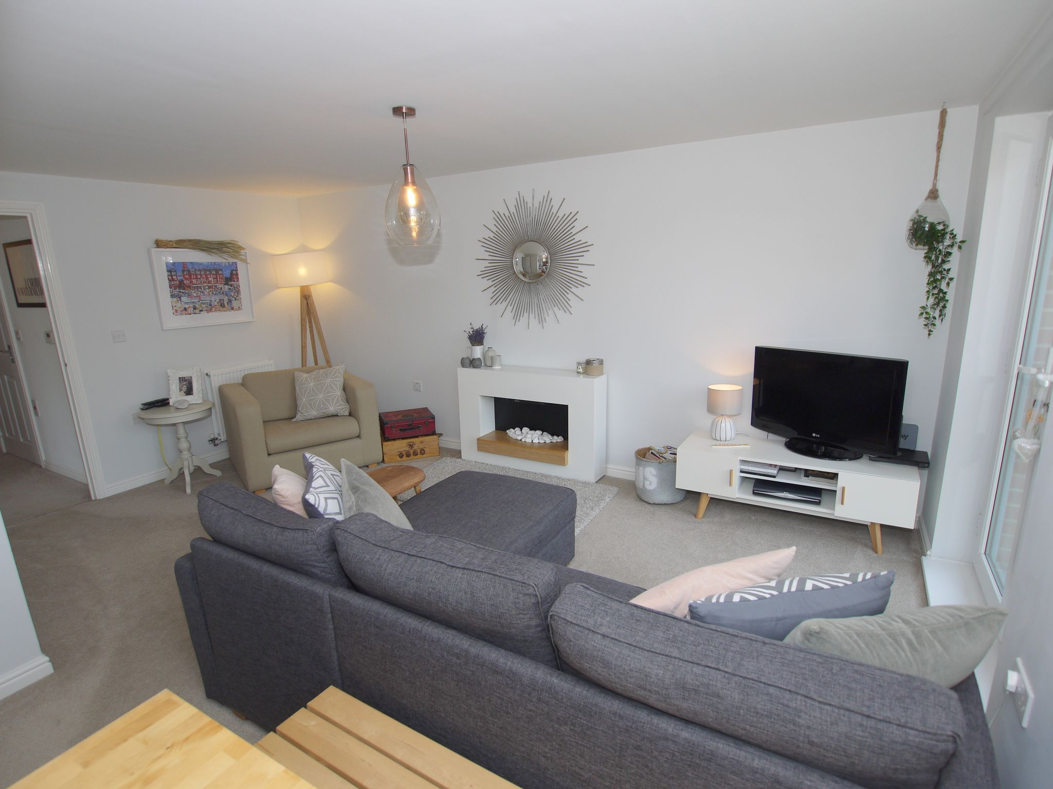 2 bedroom apartment flat/apartment To Let in Sevenoaks - Photograph 3