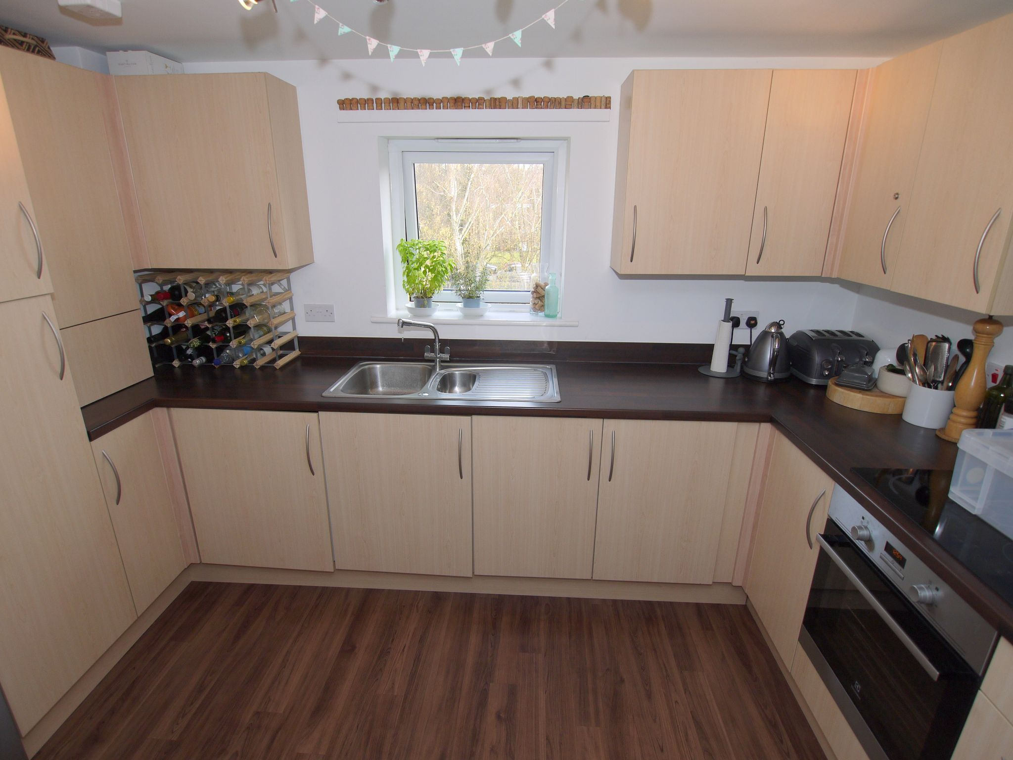 2 bedroom apartment flat/apartment To Let in Sevenoaks - Photograph 4