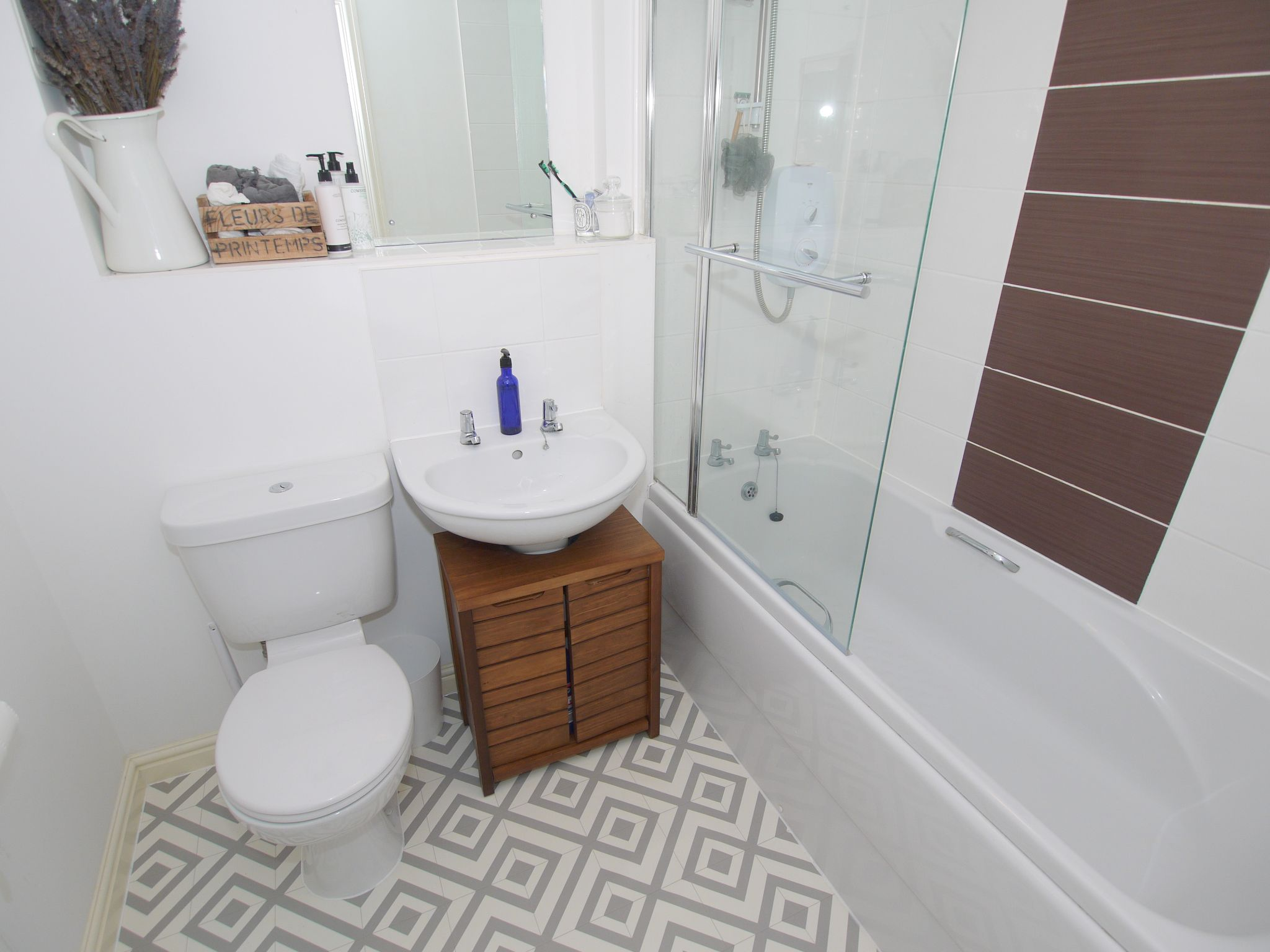 2 bedroom apartment flat/apartment To Let in Sevenoaks - Photograph 7