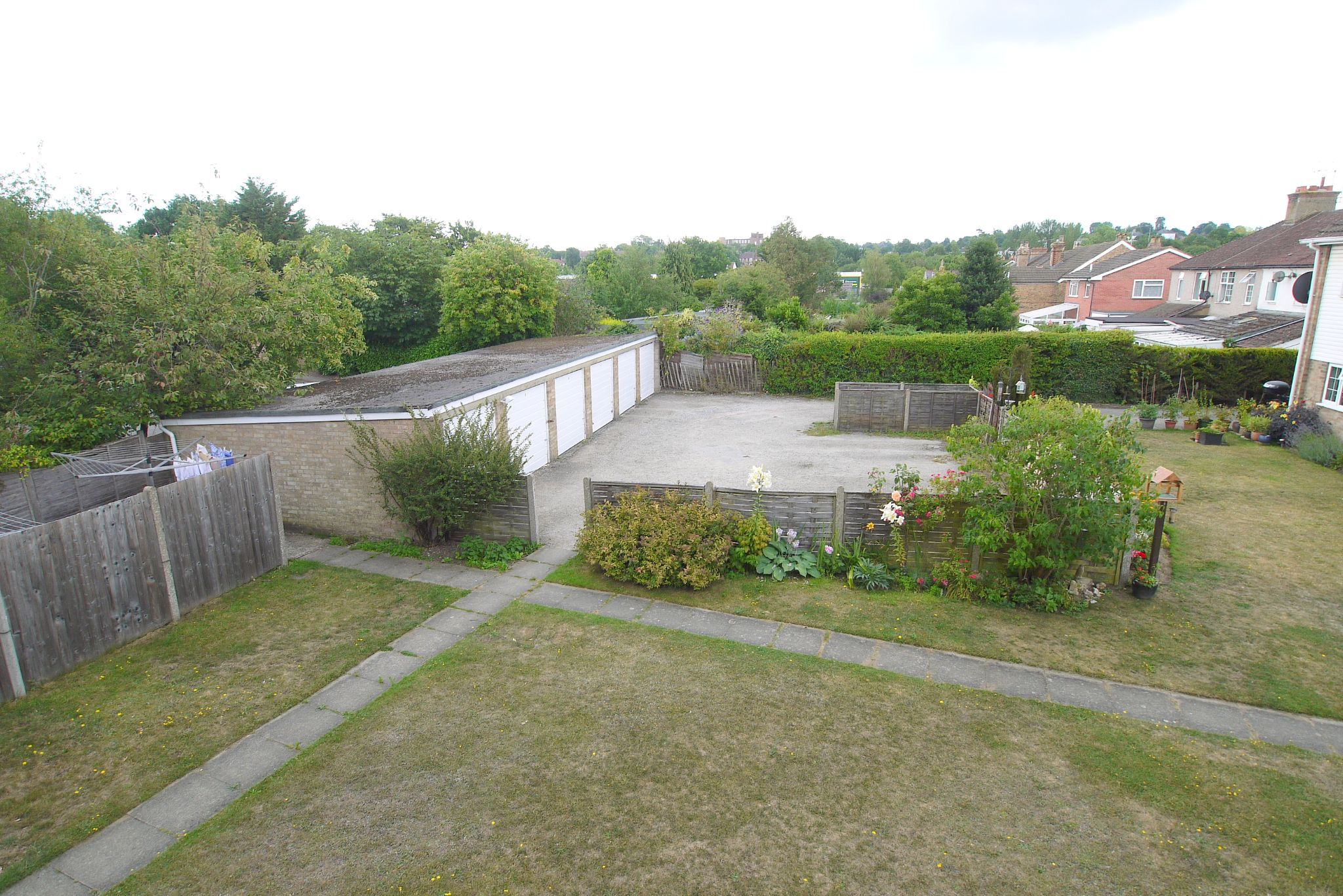 2 bedroom maisonette flat/apartment Sold in Sevenoaks - Photograph 7