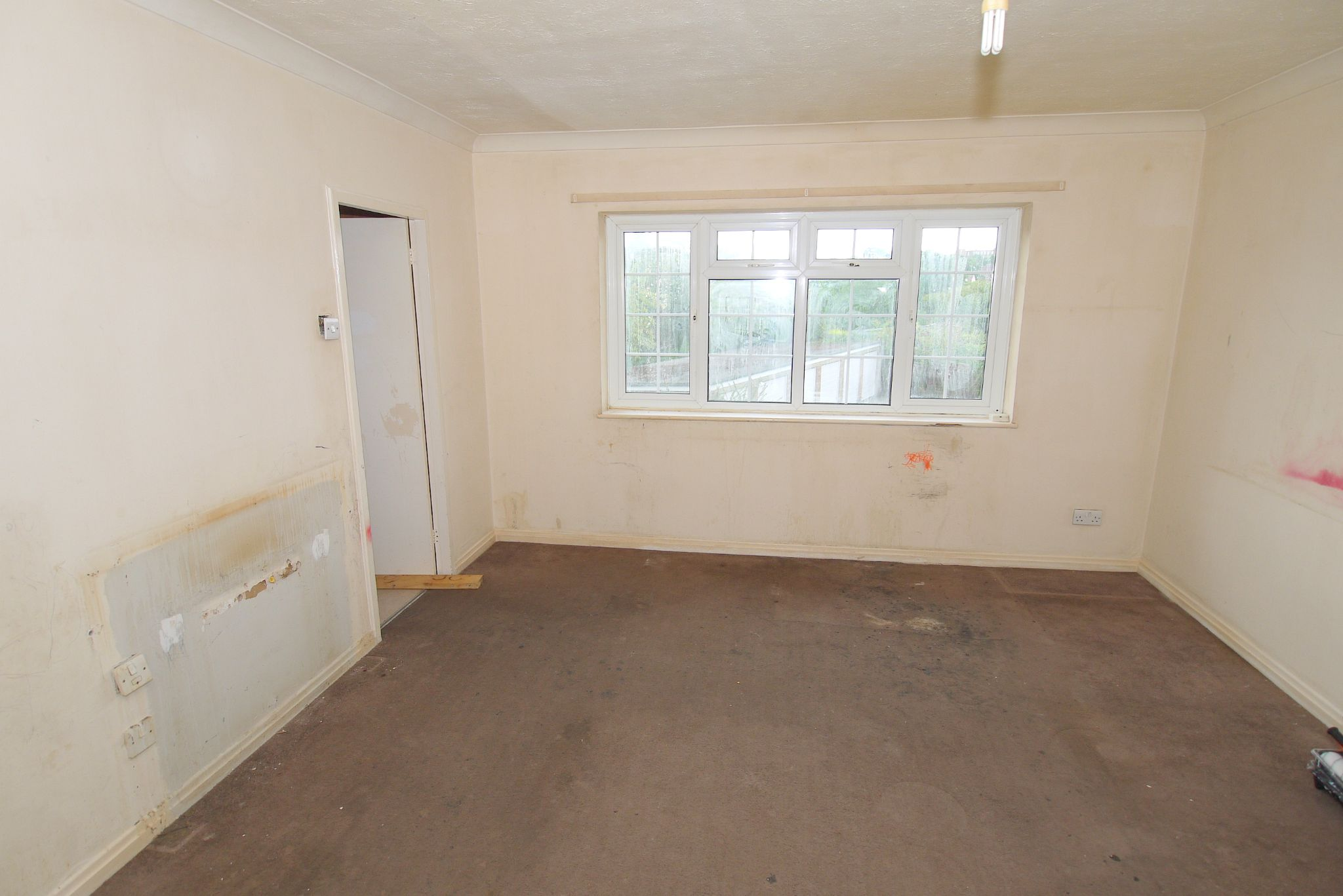 2 bedroom maisonette flat/apartment Sold in Sevenoaks - Photograph 3
