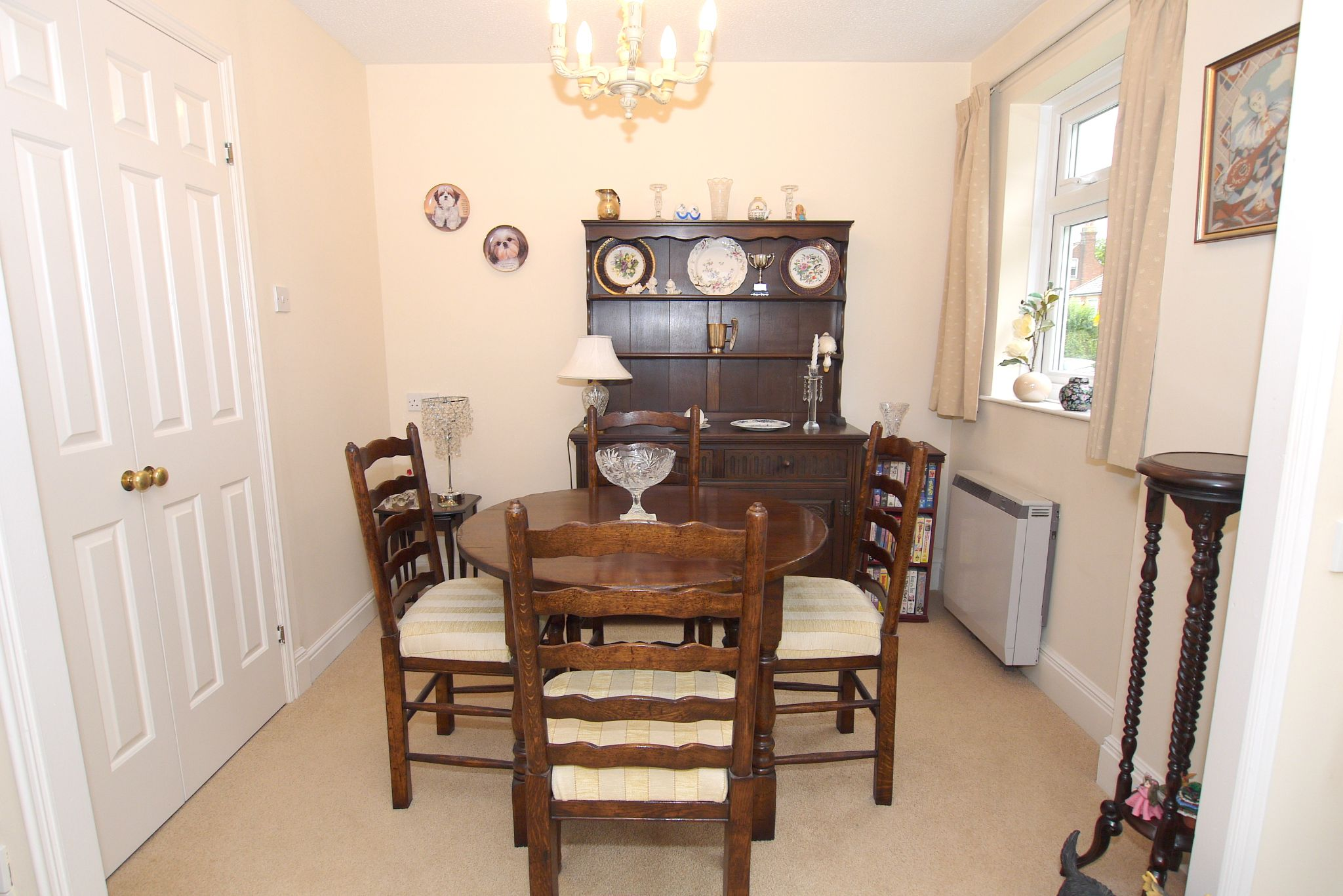 1 bedroom ground floor Sold in Sevenoaks - Photograph 3