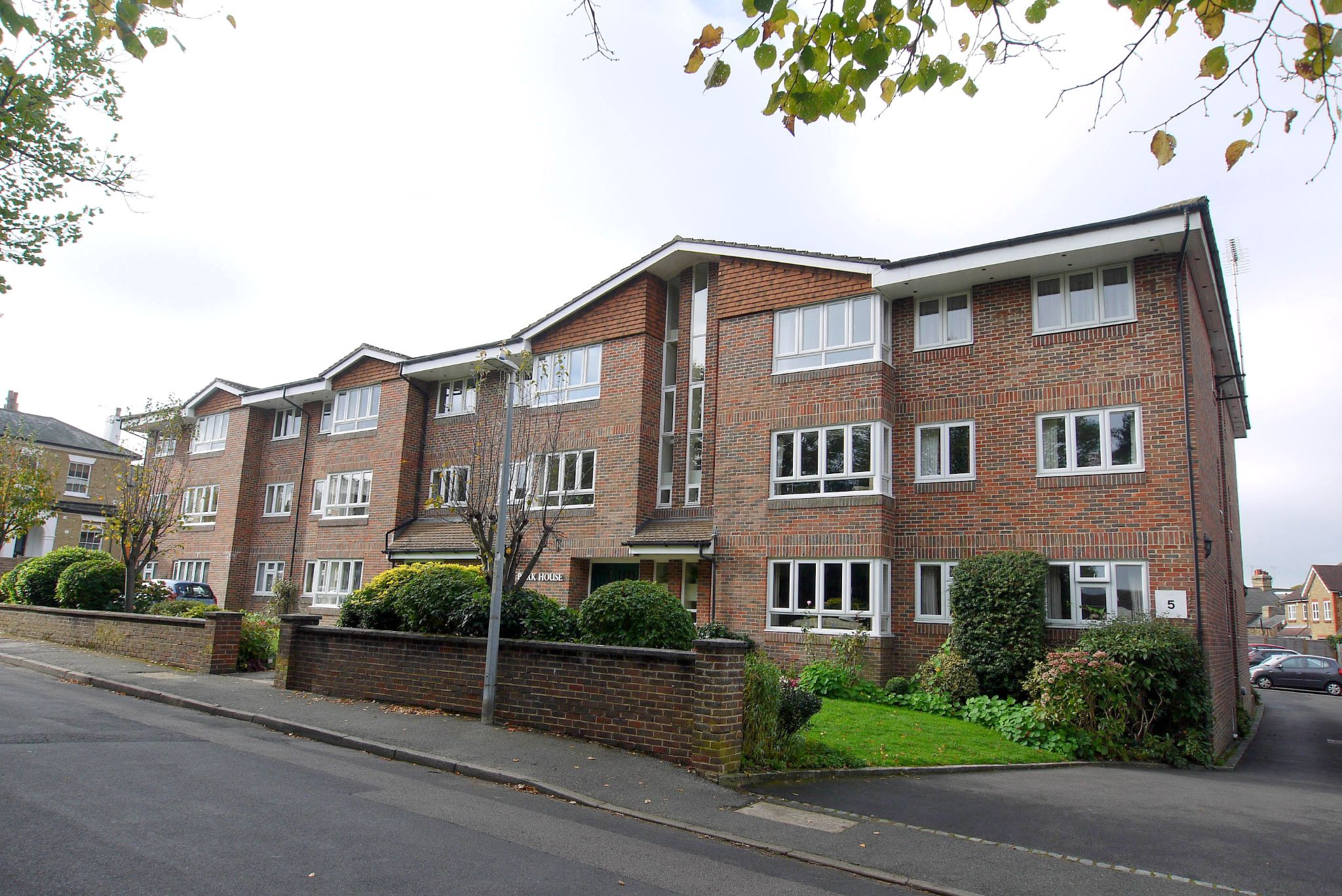 1 bedroom ground floor flat/apartment Sale Agreed in Sevenoaks - Photograph 1