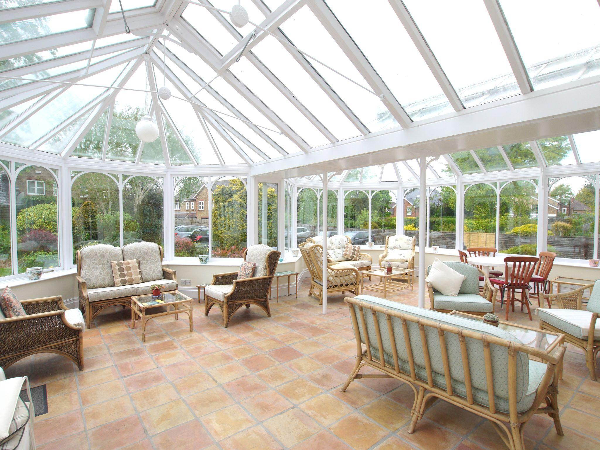 1 bedroom ground floor Sold in Sevenoaks - Photograph 9