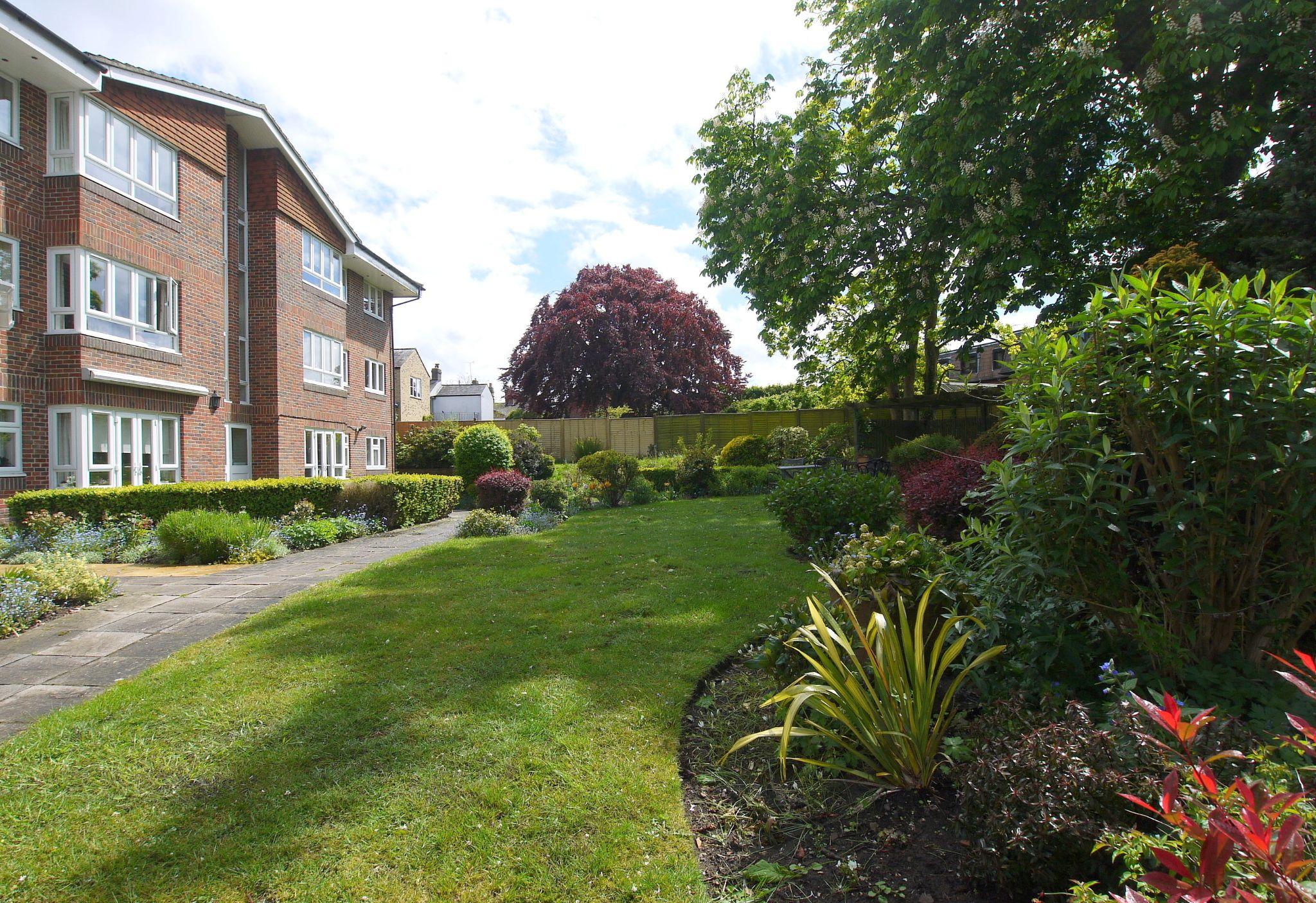 1 bedroom ground floor Sold in Sevenoaks - Photograph 10