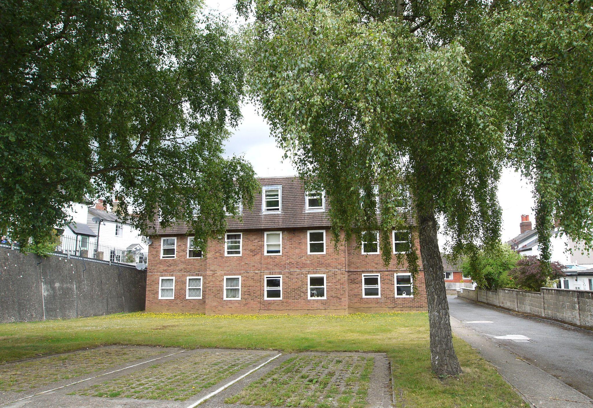 1 bedroom apartment flat/apartment Sold in Sevenoaks - Photograph 7