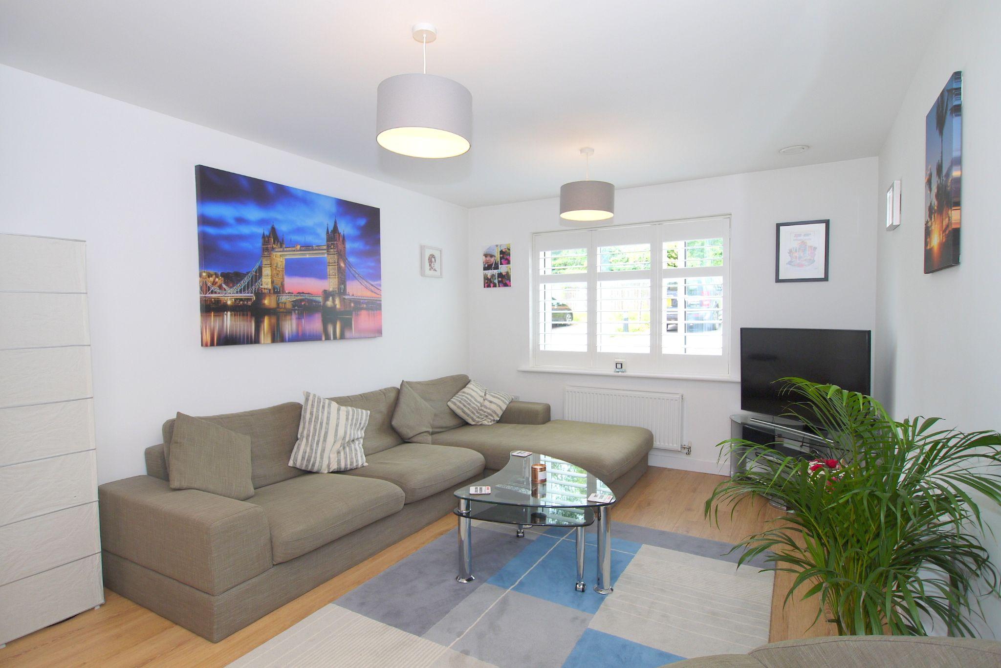 1 bedroom apartment flat/apartment For Sale in Sevenoaks - Photograph 5