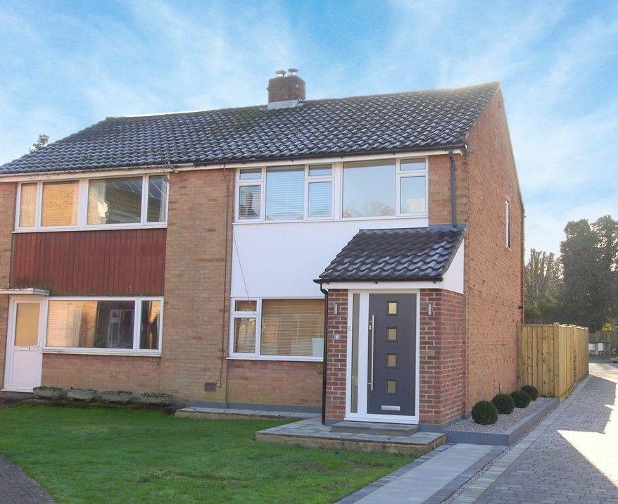 3 bedroom semi-detached house For Sale in Sevenoaks - Photograph 1