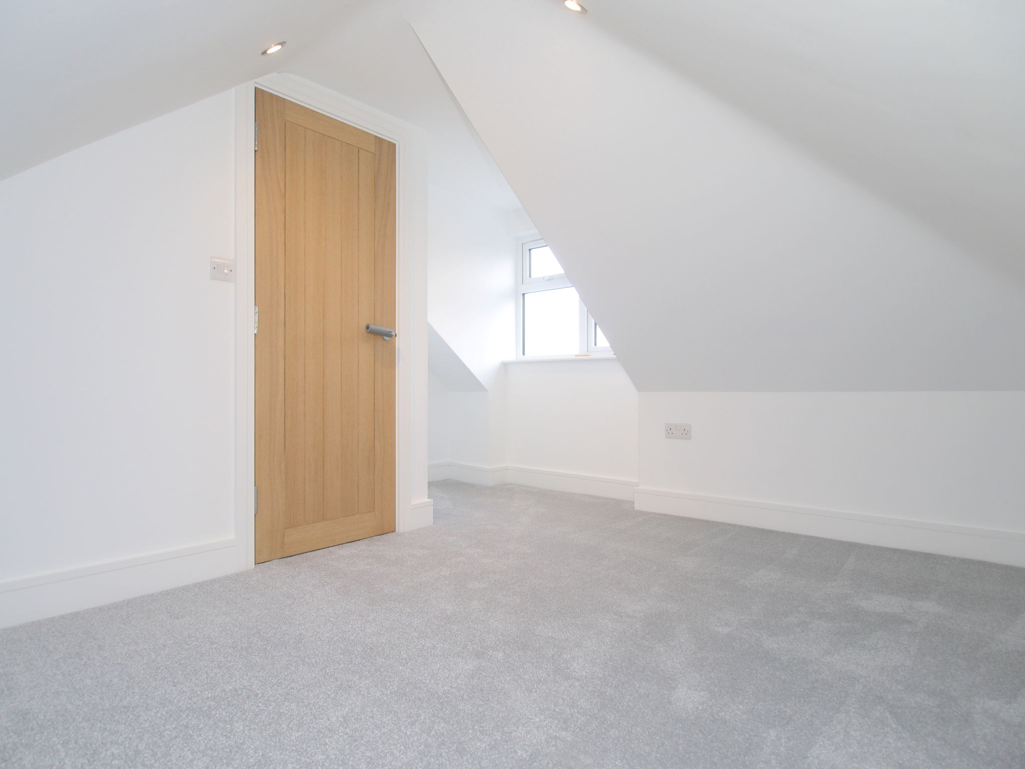 2 bedroom end terraced house Sale Agreed in Sevenoaks - Photograph 9