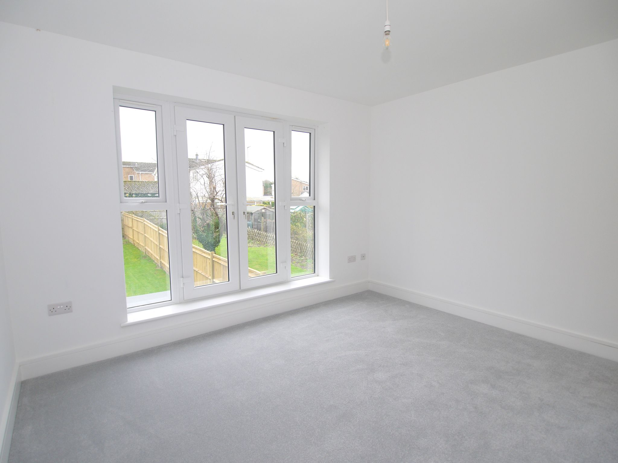 2 bedroom end terraced house Sale Agreed in Sevenoaks - Photograph 7