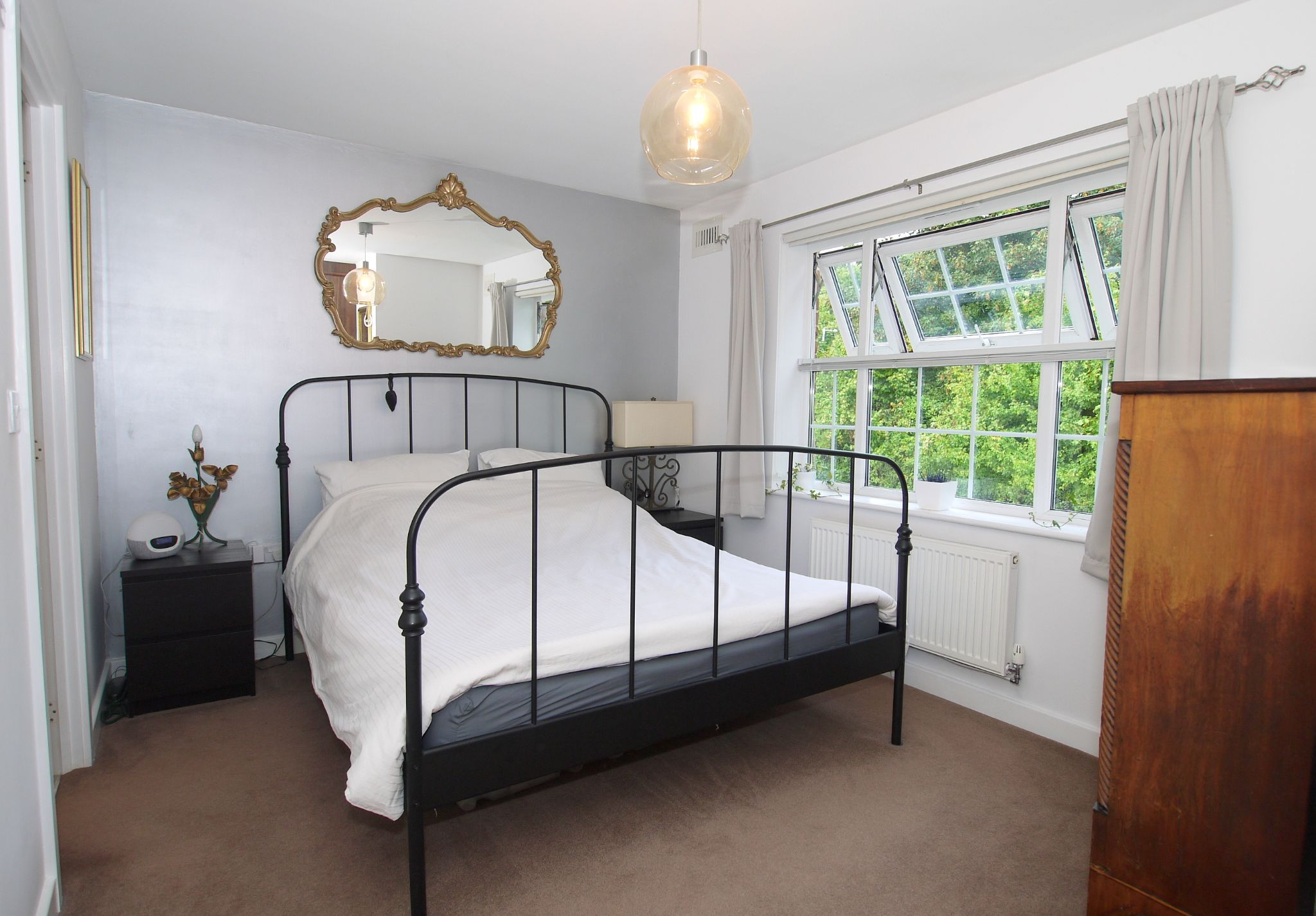 4 bedroom semi-detached house For Sale in Sevenoaks - Photograph 7
