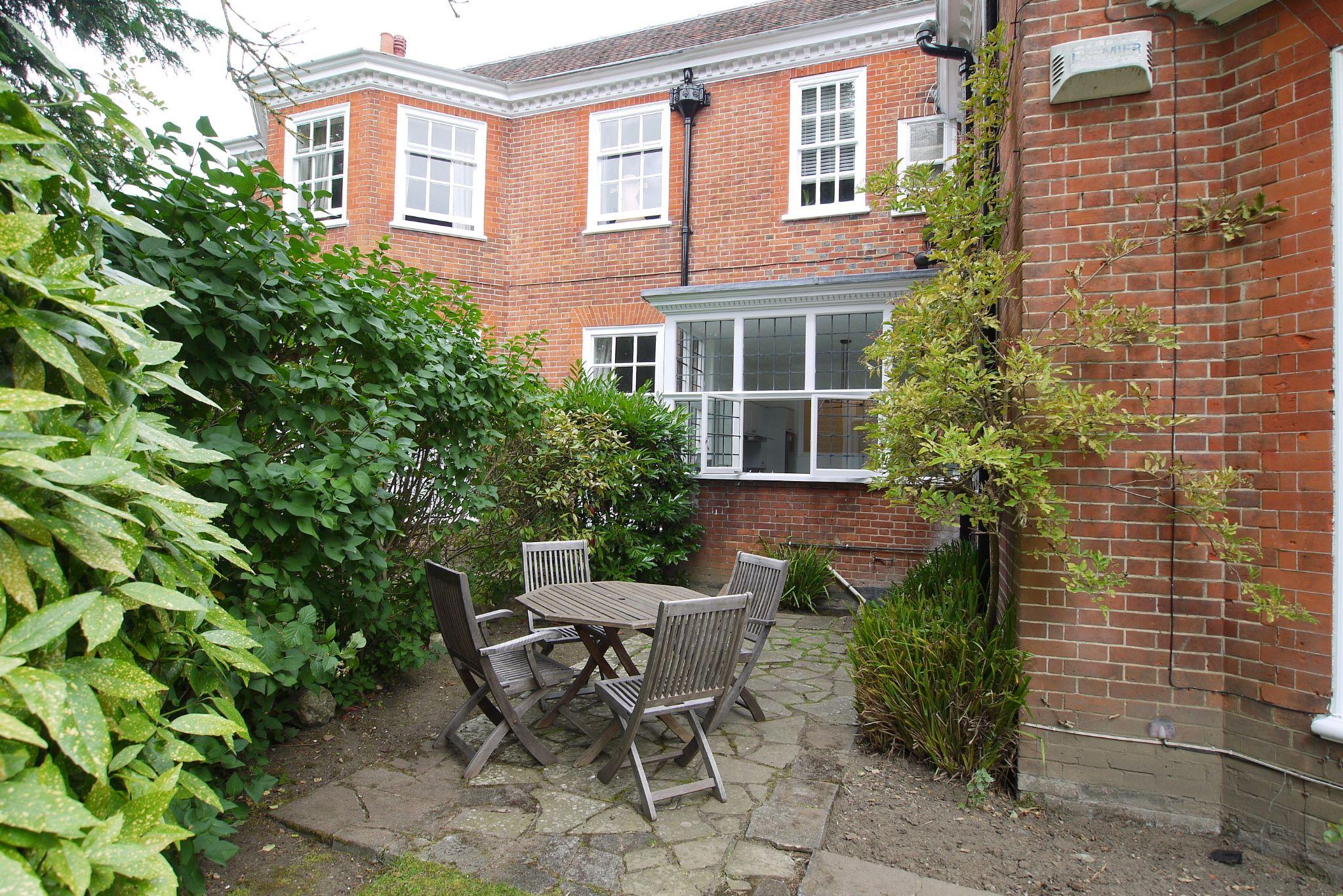 2 bedroom apartment flat/apartment Sold in Sevenoaks - Photograph 10