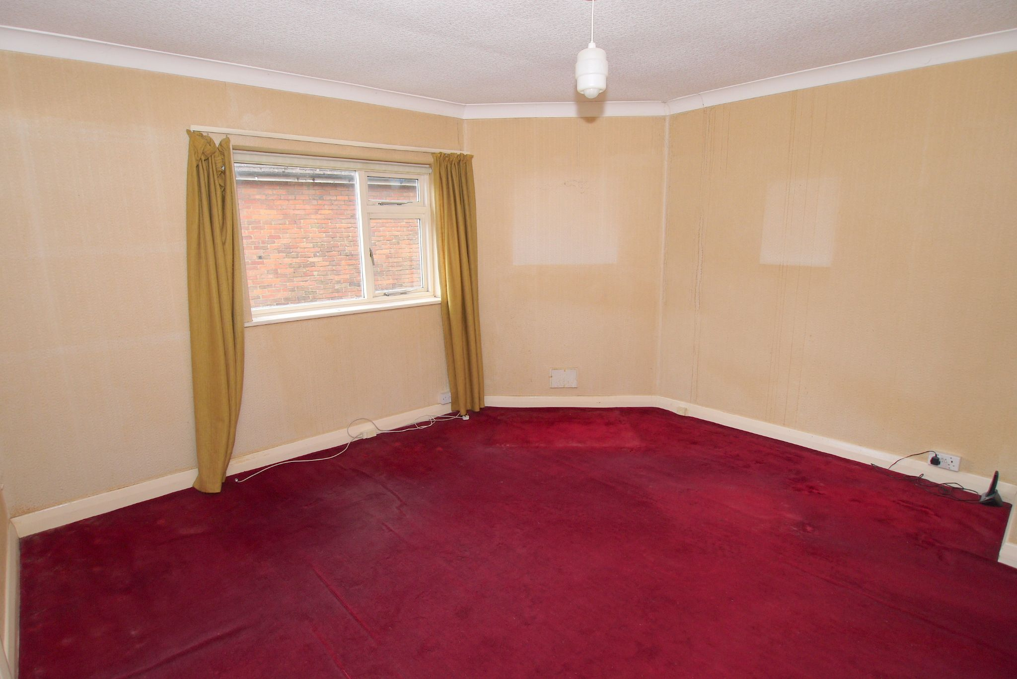2 bedroom maisonette flat/apartment For Sale in Sevenoaks - Photograph 2