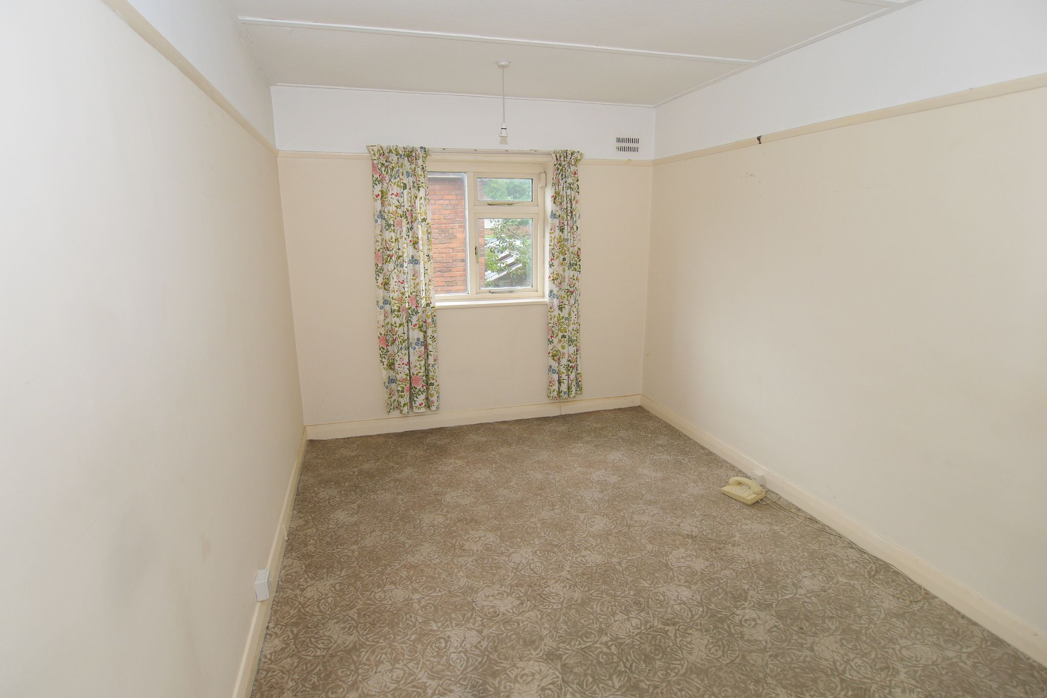 2 bedroom maisonette flat/apartment For Sale in Sevenoaks - Photograph 5