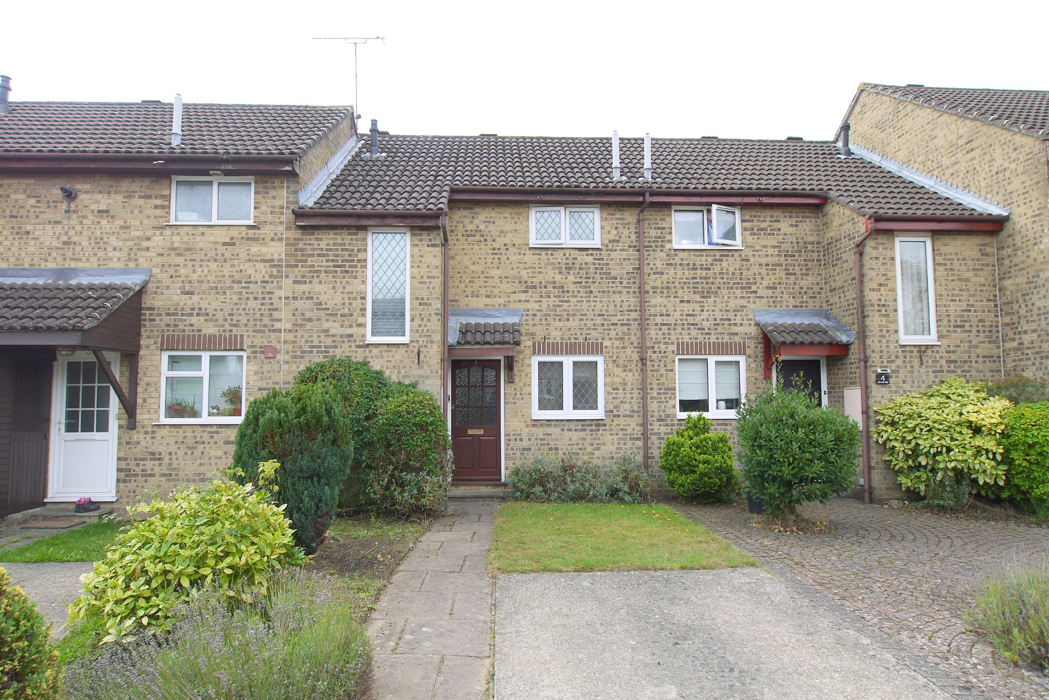 2 bedroom mid terraced house For Sale in Sevenoaks - Photograph 1