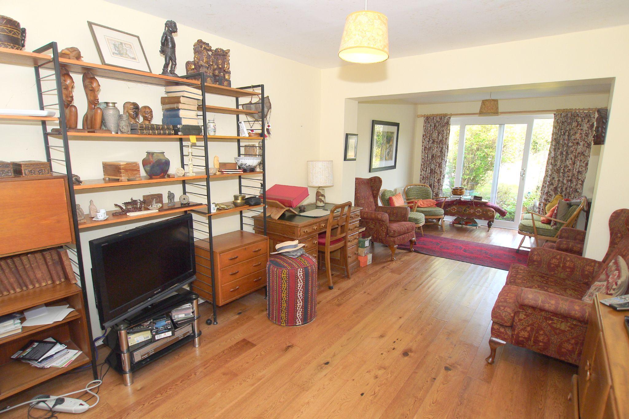 3 bedroom semi-detached bungalow For Sale in Sevenoaks - Property photograph
