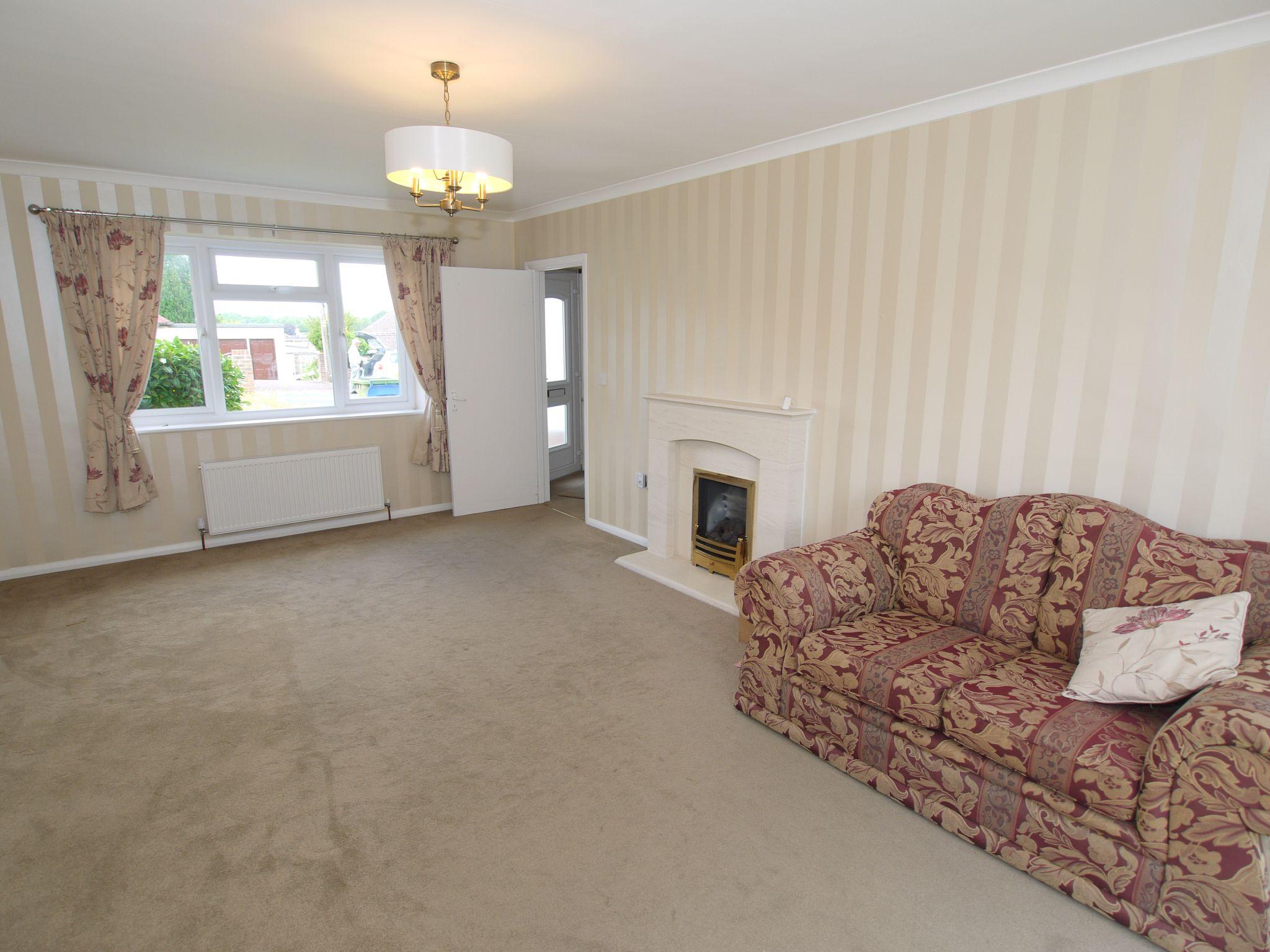 2 bedroom detached bungalow Sold in Sevenoaks - Photograph 5