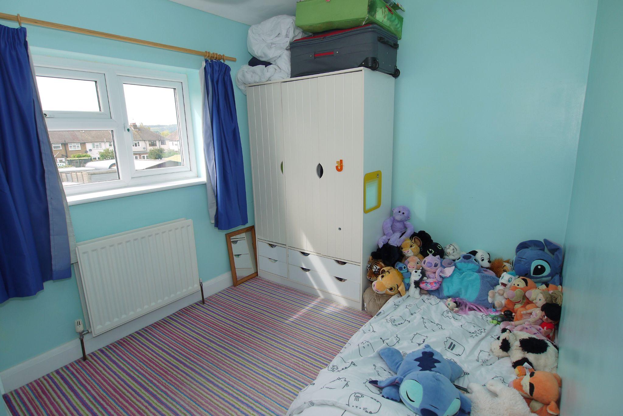 3 bedroom mid terraced house For Sale in Sevenoaks - Photograph 9