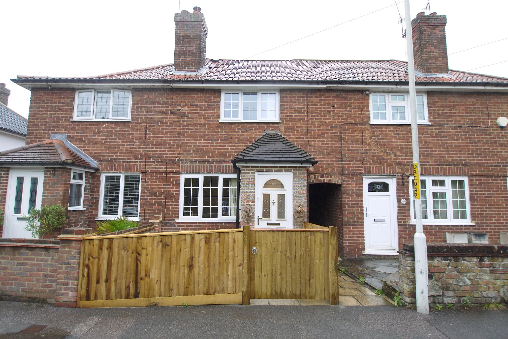 3 bedroom mid terraced house Sale Agreed in Sevenoaks - Photograph 1