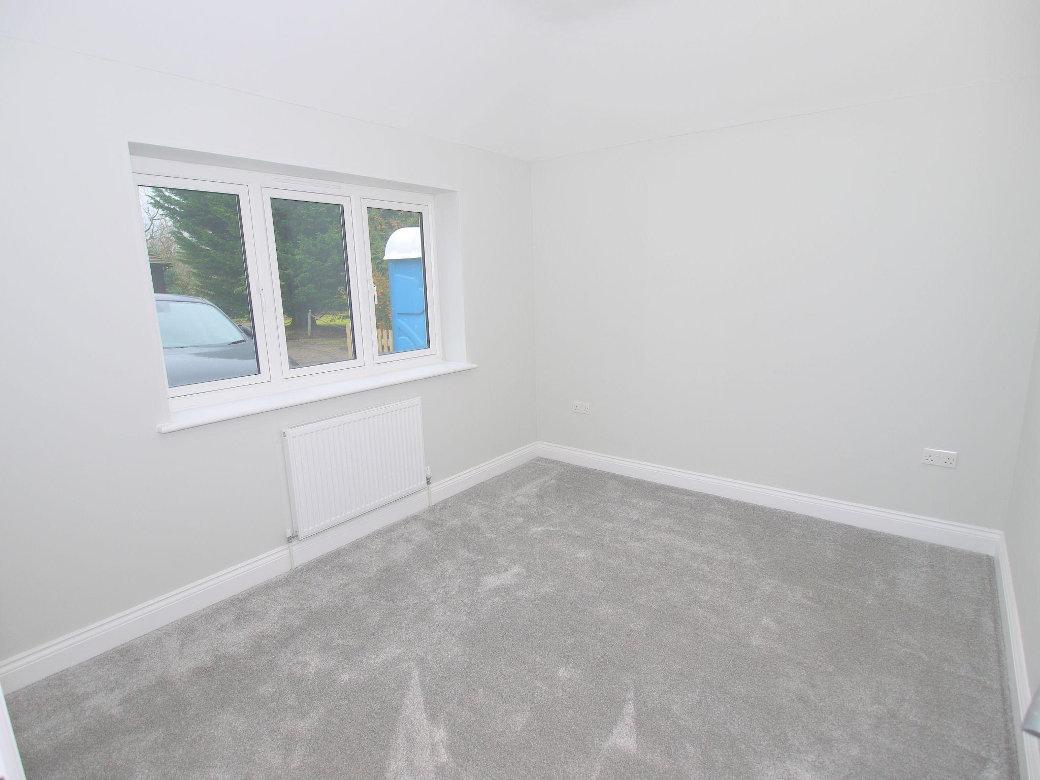 3 bedroom detached bungalow For Sale in Sevenoaks - Photograph 5