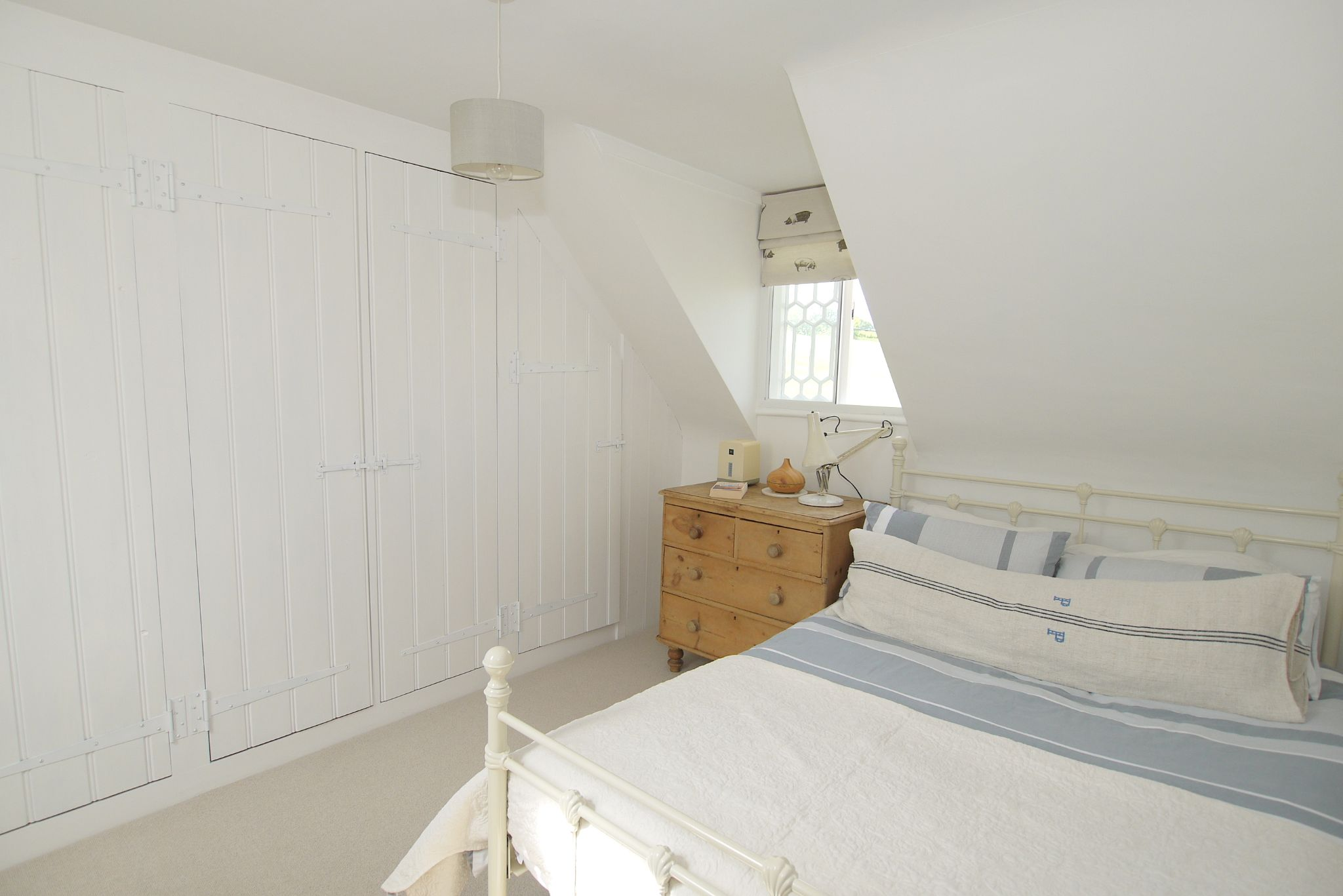 2 bedroom mid terraced house For Sale in Sevenoaks - Photograph 7