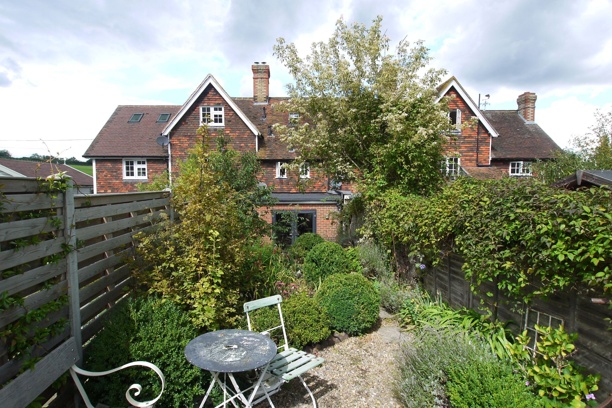 2 bedroom mid terraced house For Sale in Sevenoaks - Photograph 12